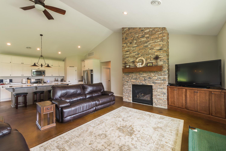 20438 172nd St NW Big Lake MN-large-022-30-Living Room-1499x1000-72dpi.jpg