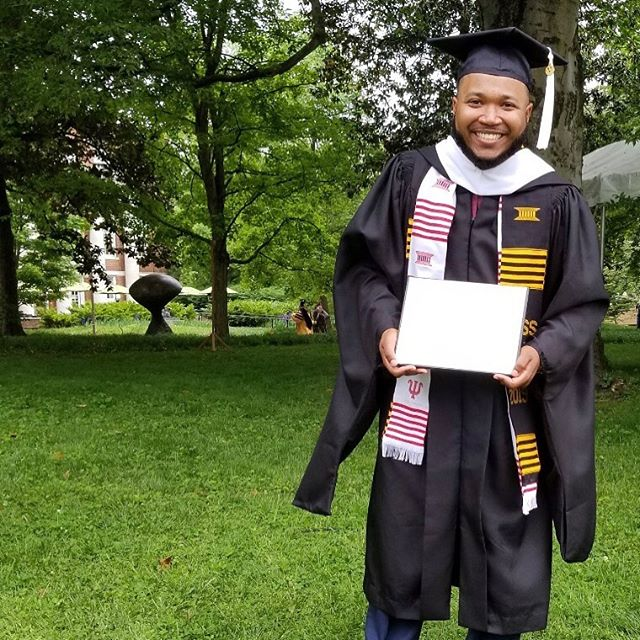 @dmu_rph just #MasteredIt at @vanderbiltu 👏🏾👏🏾Now he's on the road to #trynagrad for his PhD. Congratulations!!! 🎉🍾