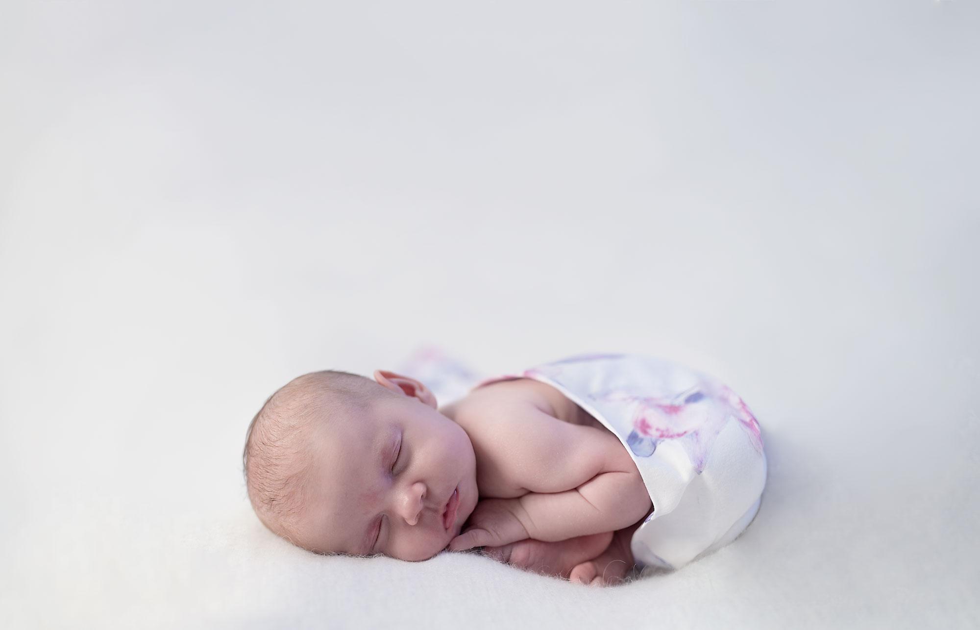 Edie-Mundy-1-month-old---0857-copy.jpg