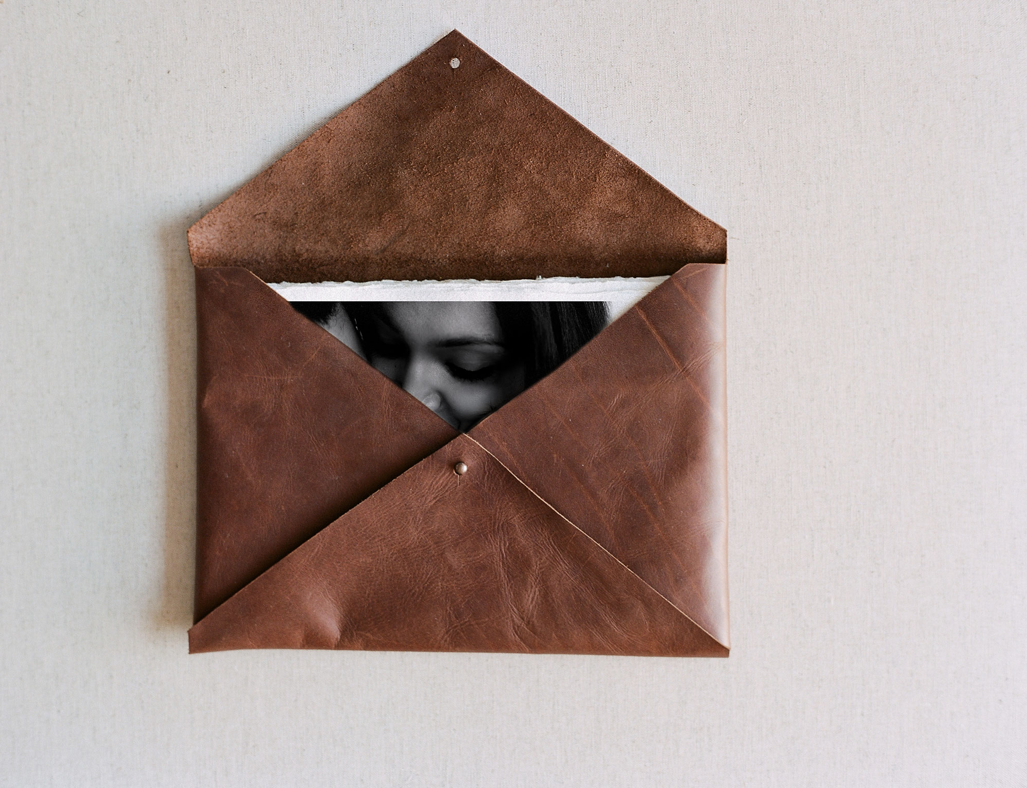 Leather-envelope-04-copy.jpg