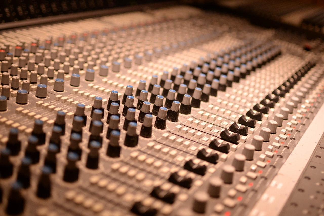 podcast-mixing.jpeg