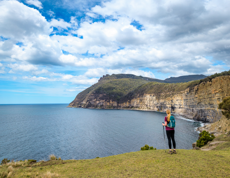 Hiking Bishop & Clerk: Cliff views of Bishop and Clerk