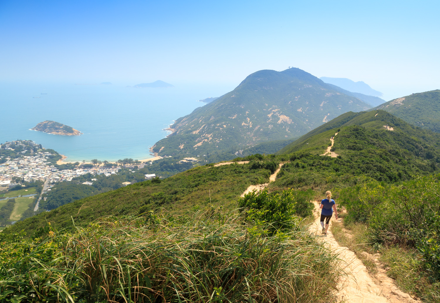 Best things to do in Hong Kong: The Dragons Back Hike, Hong Kong