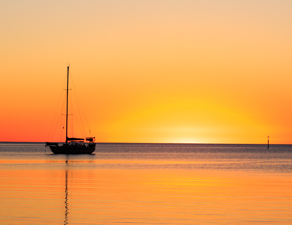 Top 10 things to do in New Caledonia, Sunsets at Kuto Bay