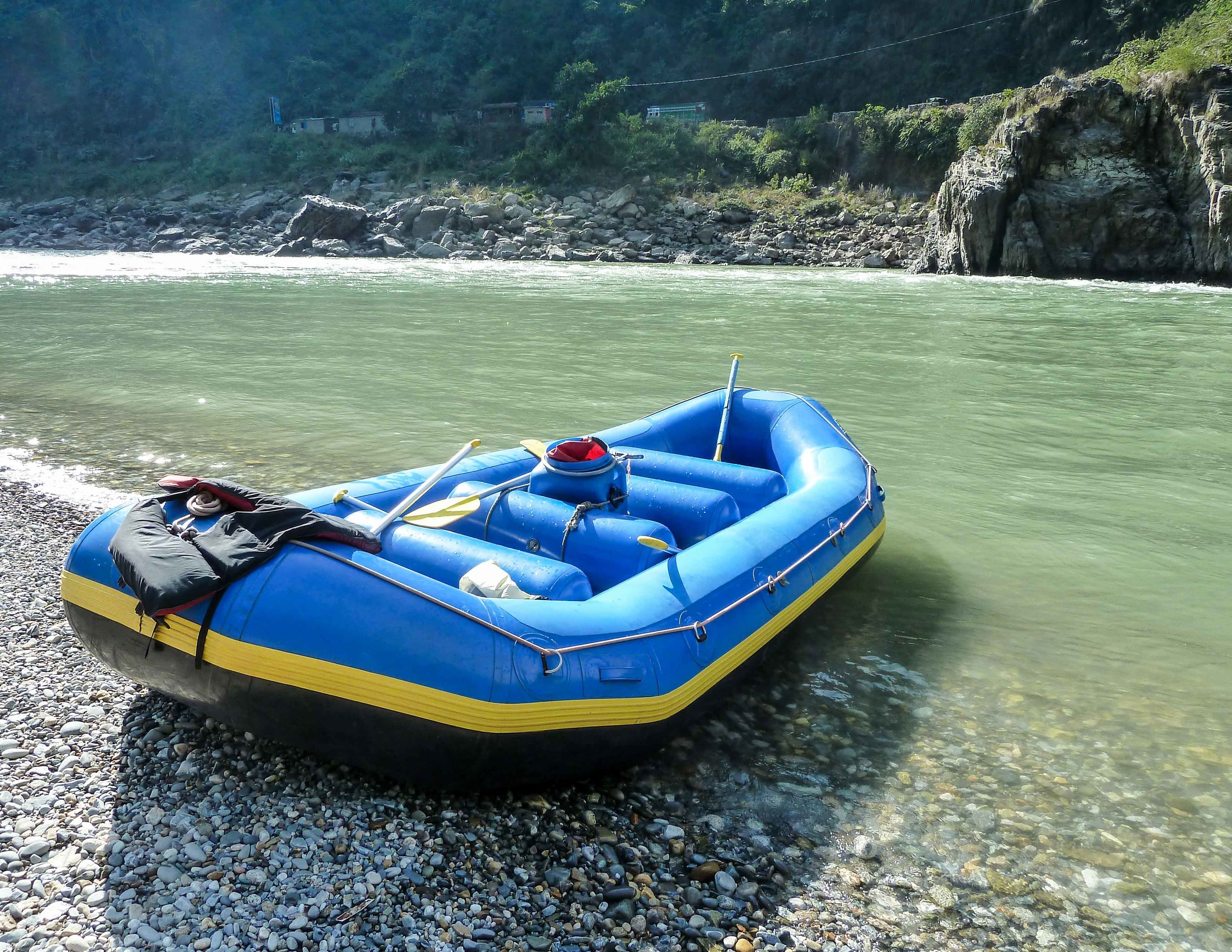 Best things to do in Nepal: kayak on the way to Pokhara