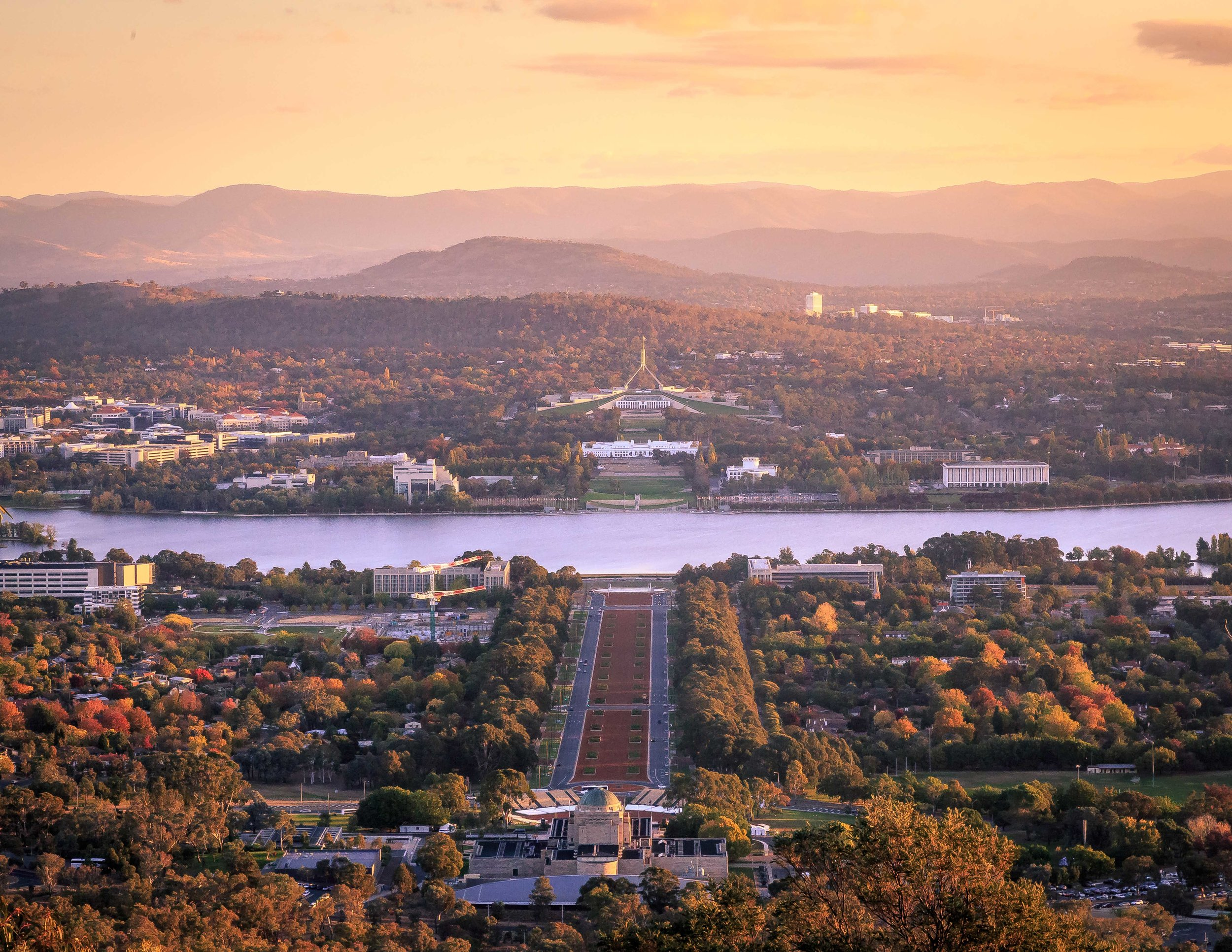 Must-see places in Australia: Mount Ainslie, Canberra