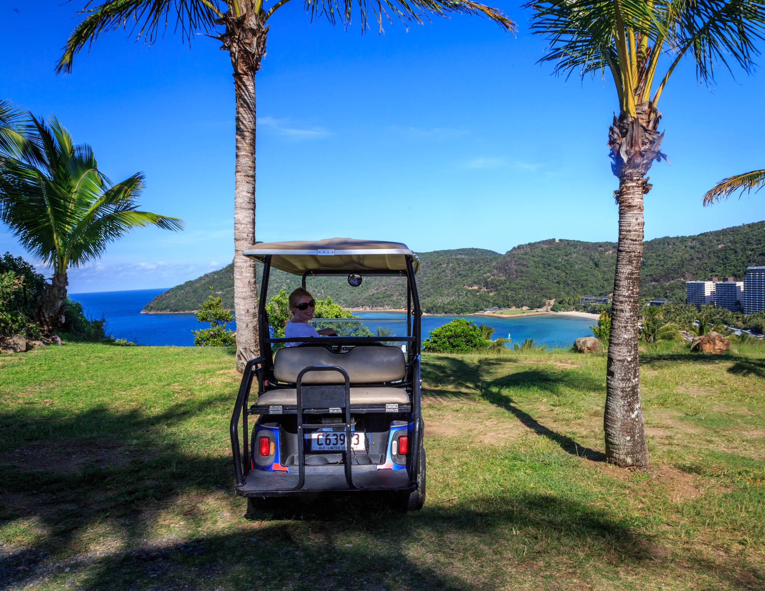 3 week itinerary of Australia: golf-buggy around Hamilton Island