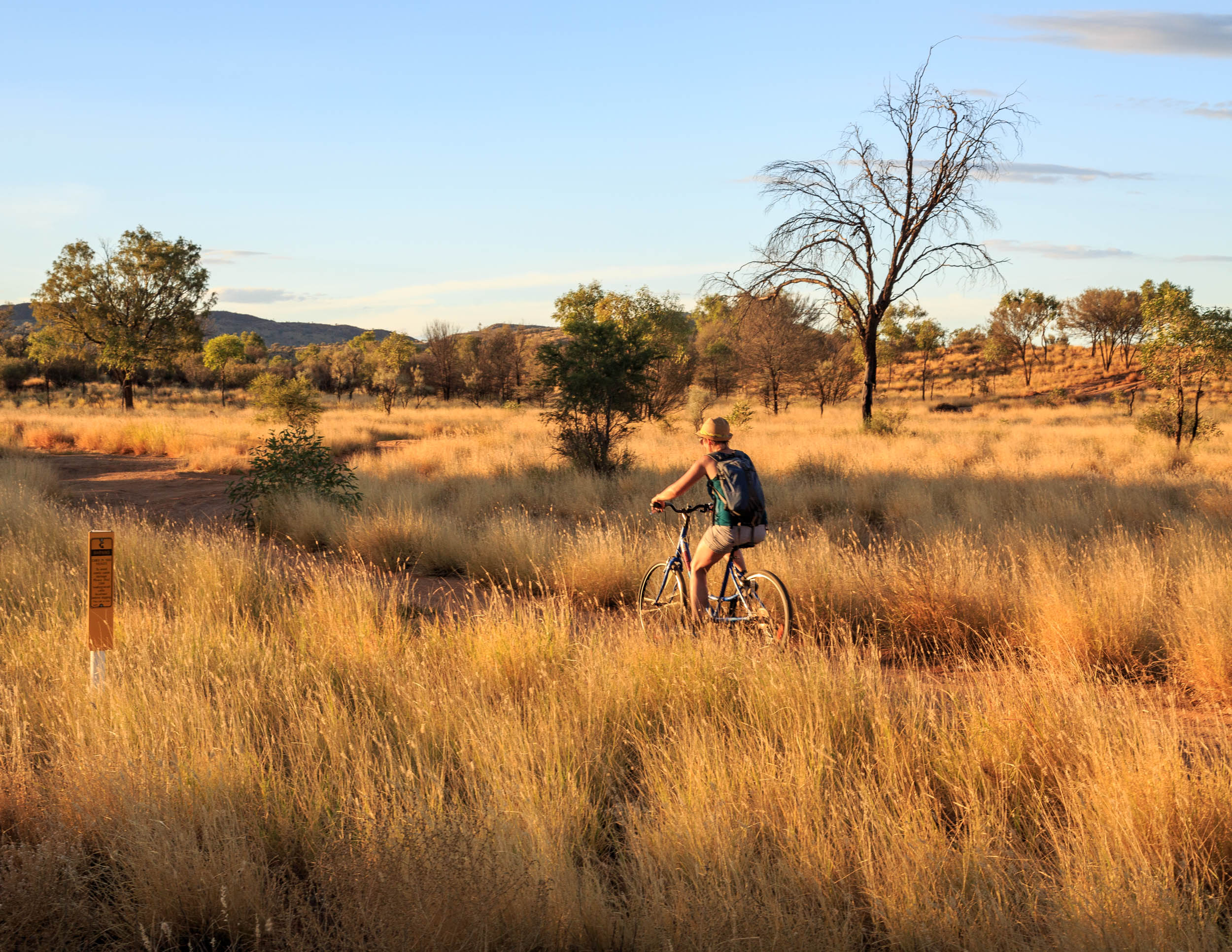 Best things to do in Alice Springs: Cycle to Simpson's Gap