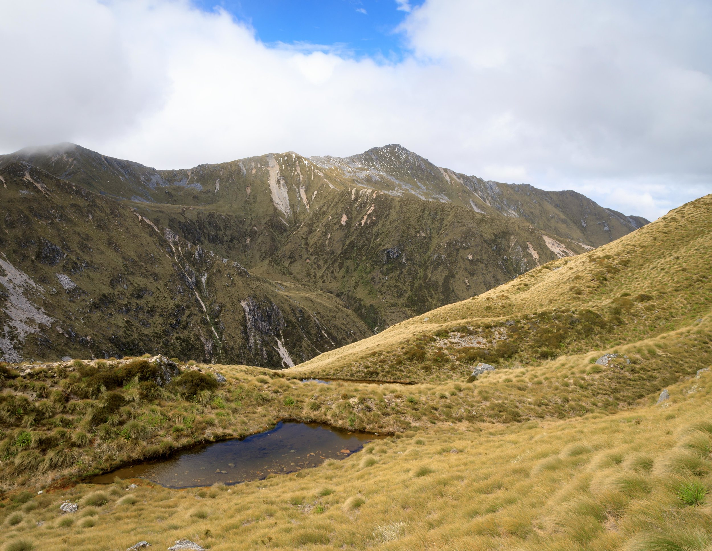 The tarn at the top of the Kepler Track