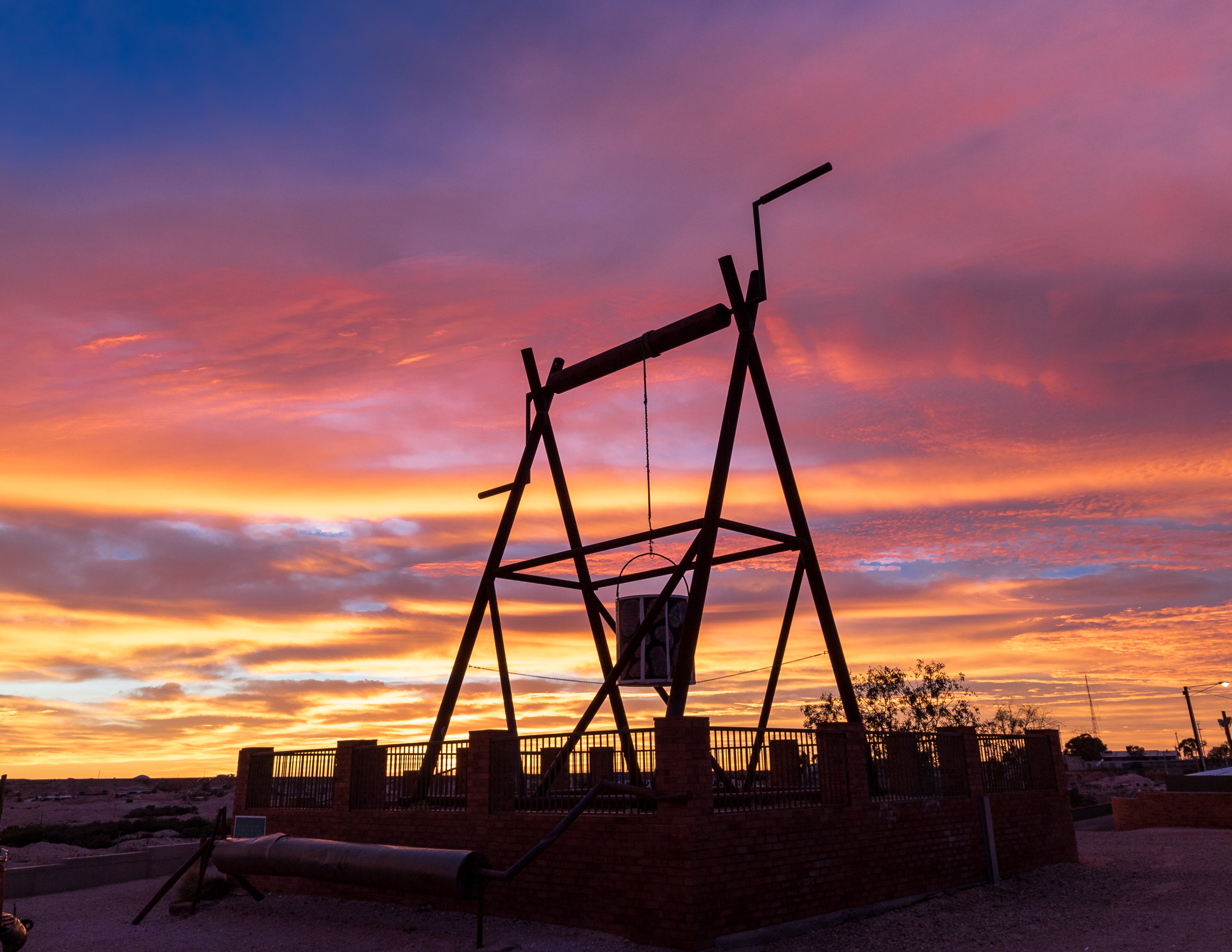 Epic sunrise at the Big Winch in Coober Pedy