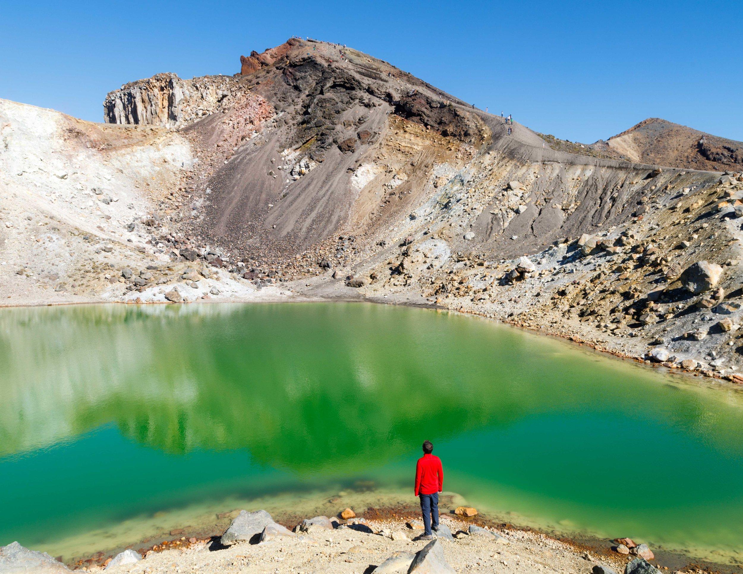 The green lake on the Tongariro Northern Circuit