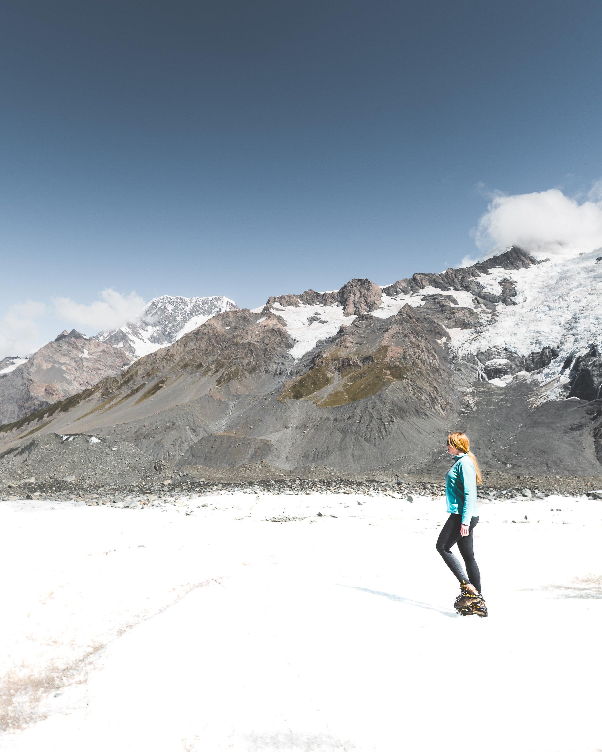 Instagrammable spots of New Zealand: Tasman Glacier, Mount Cook