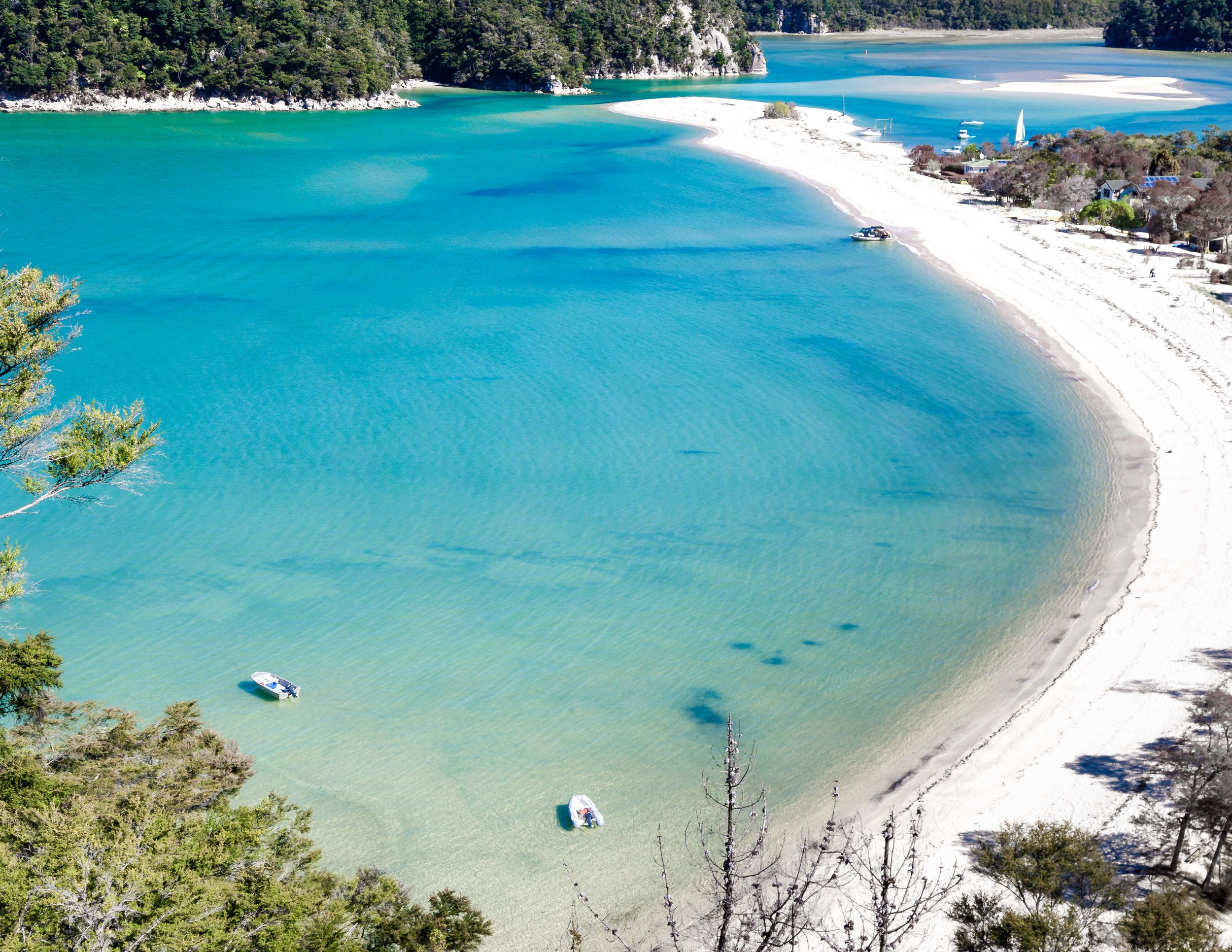 How to travel cheaply in New Zealand