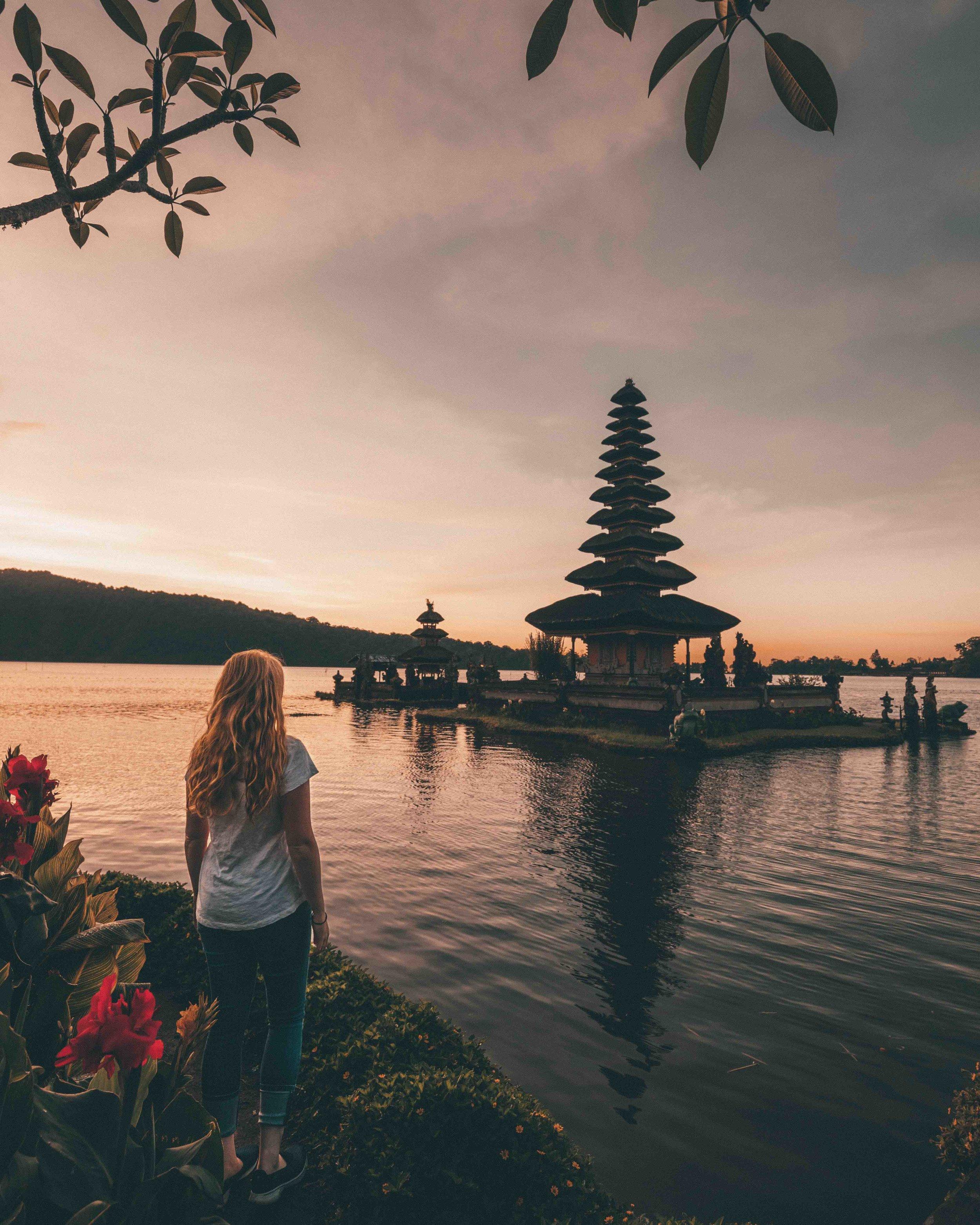 Most instagrammable spots in Bali: Pura Ulan Danu Temple