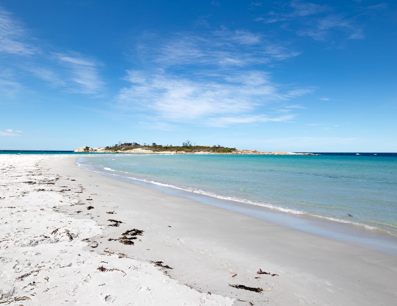 2 week Tasmania itinerary: Bicheno Beach