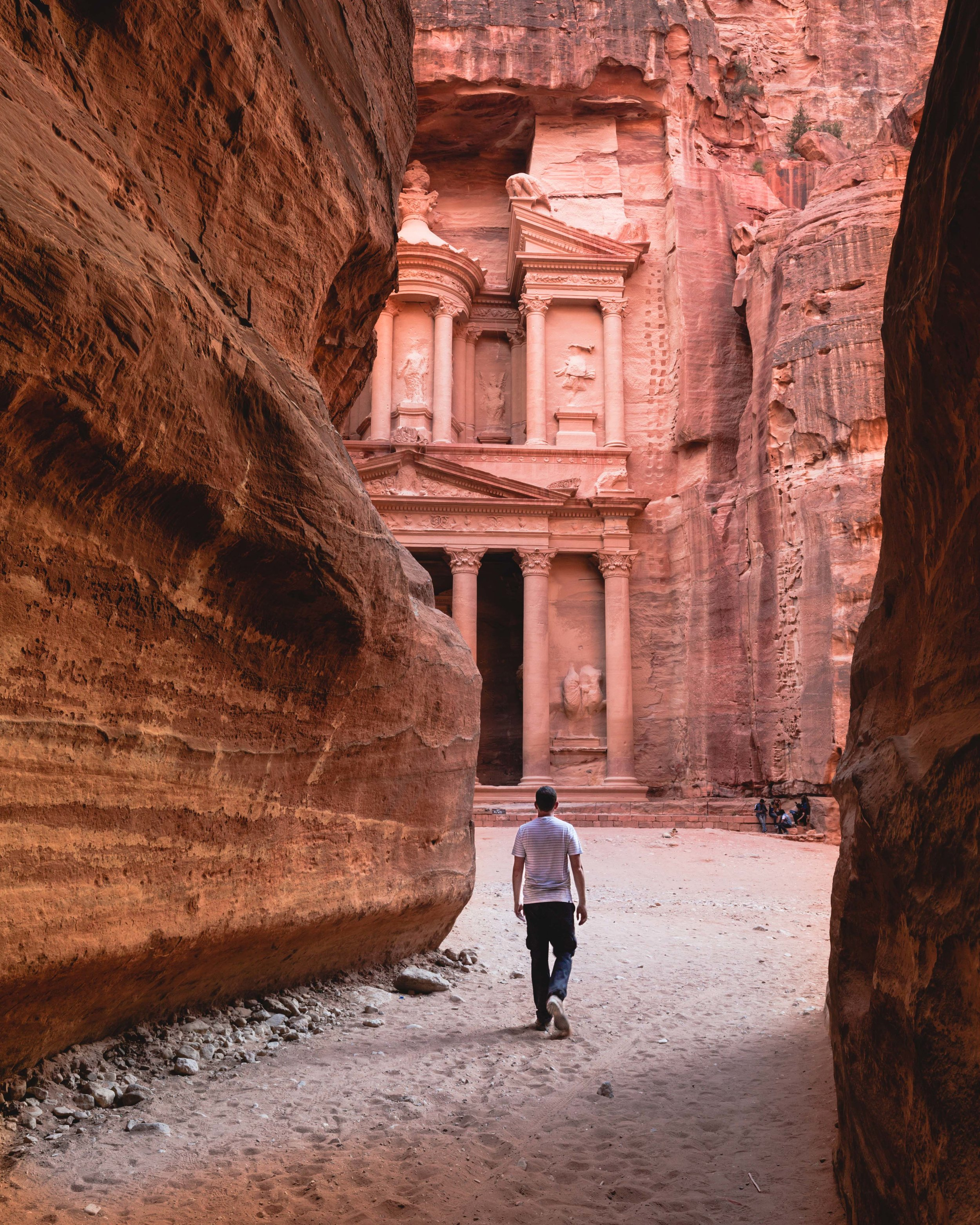 Instagrammable Jordan - the Siq at The Treasury