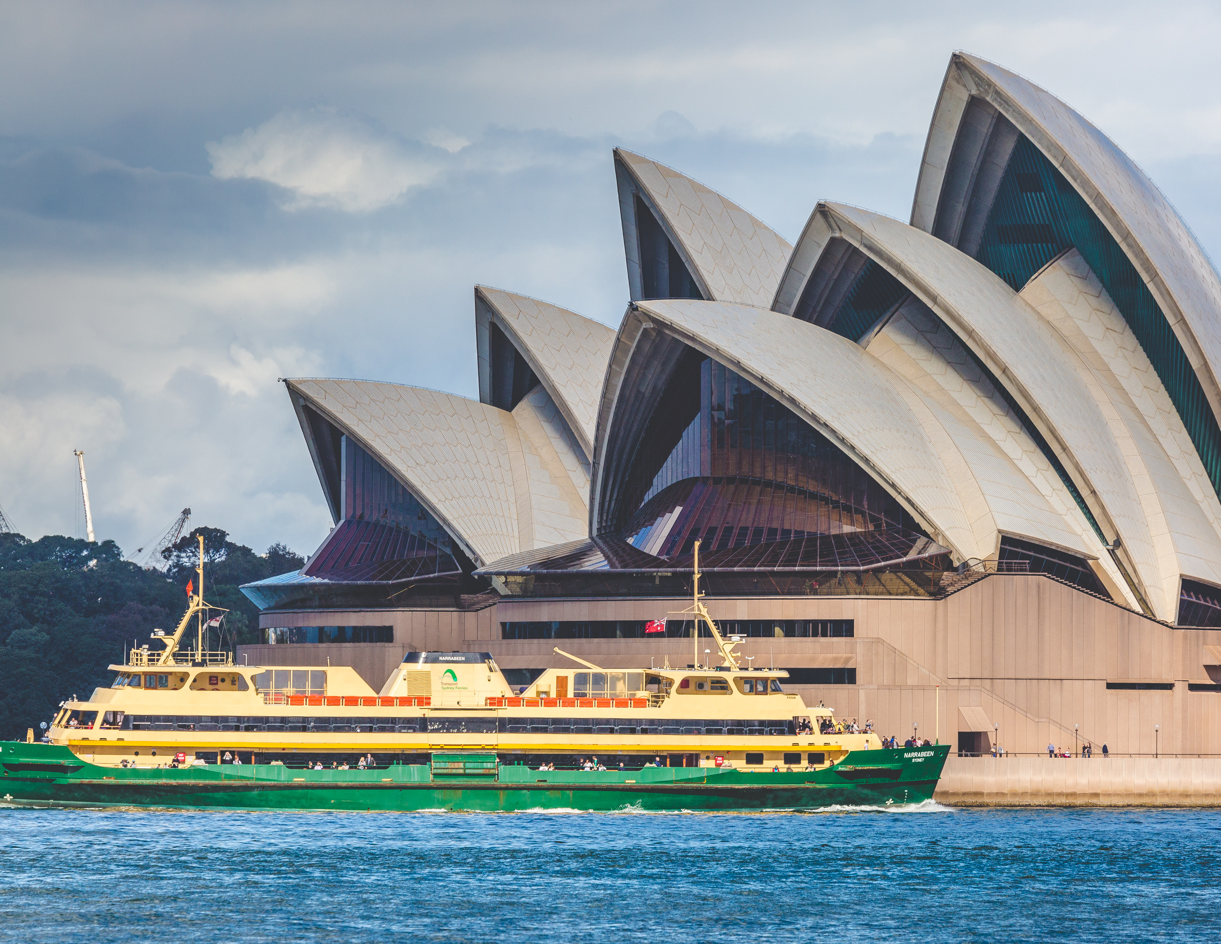 Places to visit in Sydney: Take the ferry
