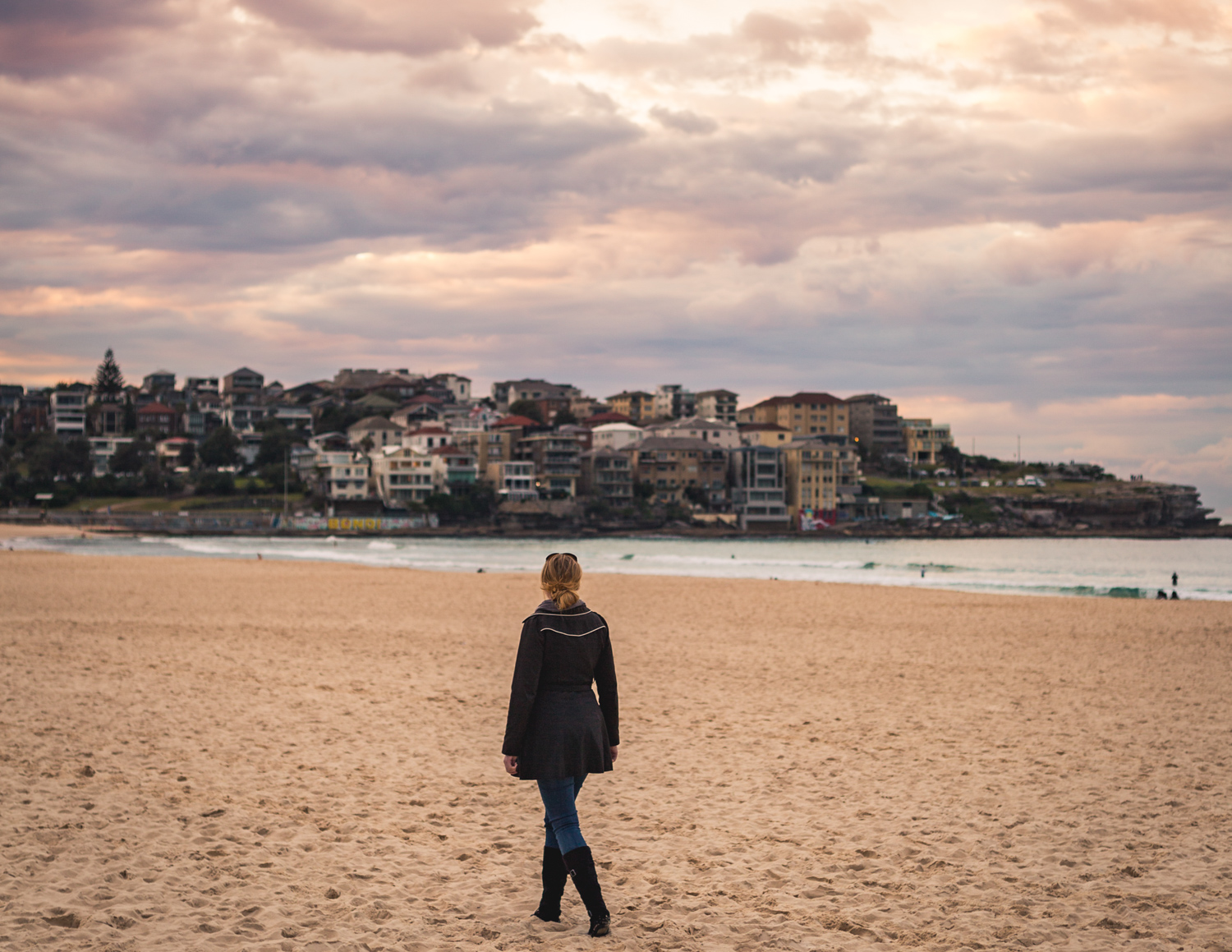 Best things to do in Bondi: Sunrise & Coffee
