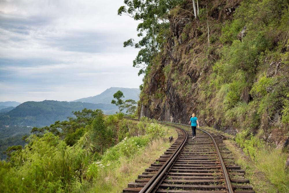 Places to visit in Haputale: Idalgashinna to Haputale Walk