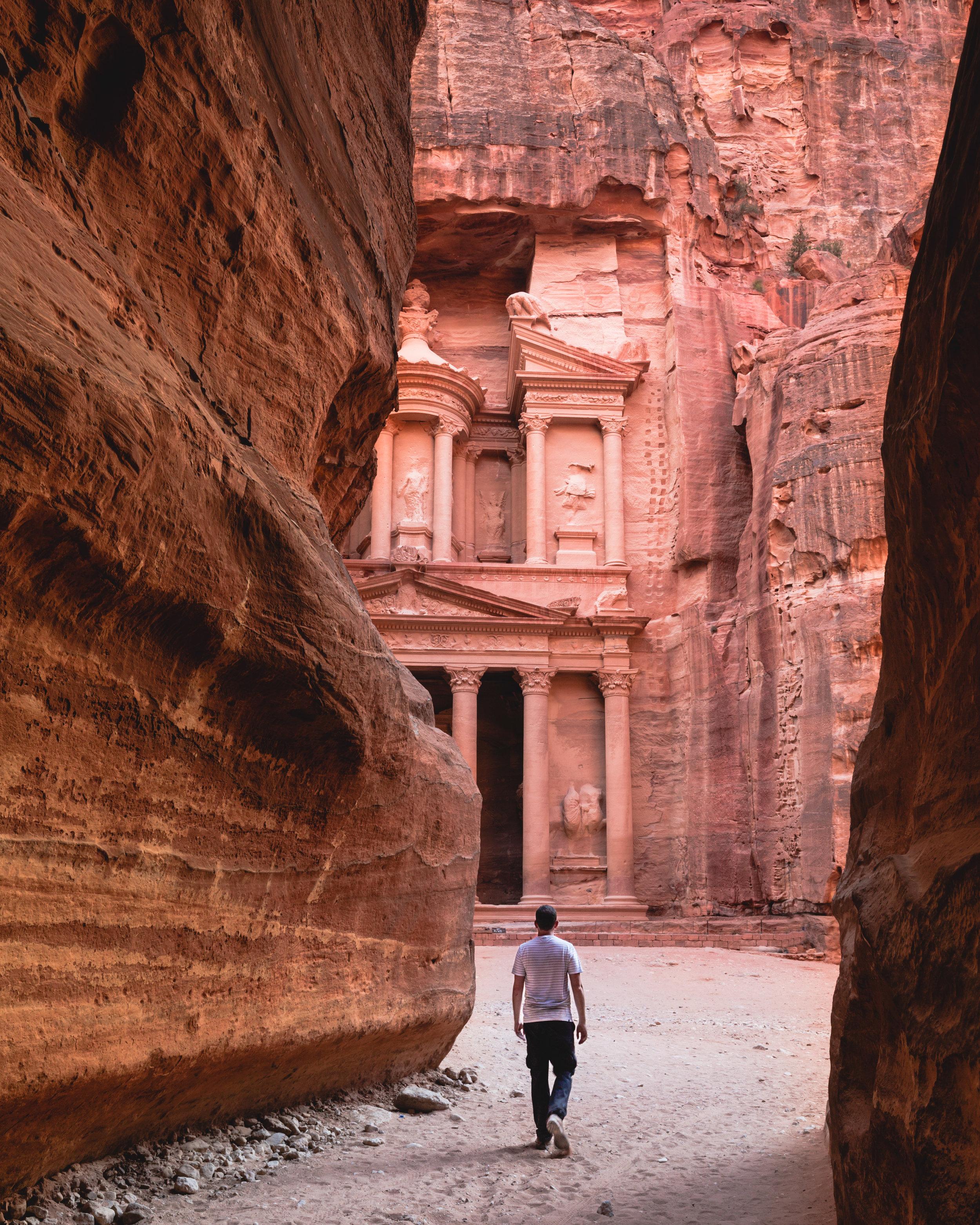 Jordan Itinerary - Sunrise at the treasury
