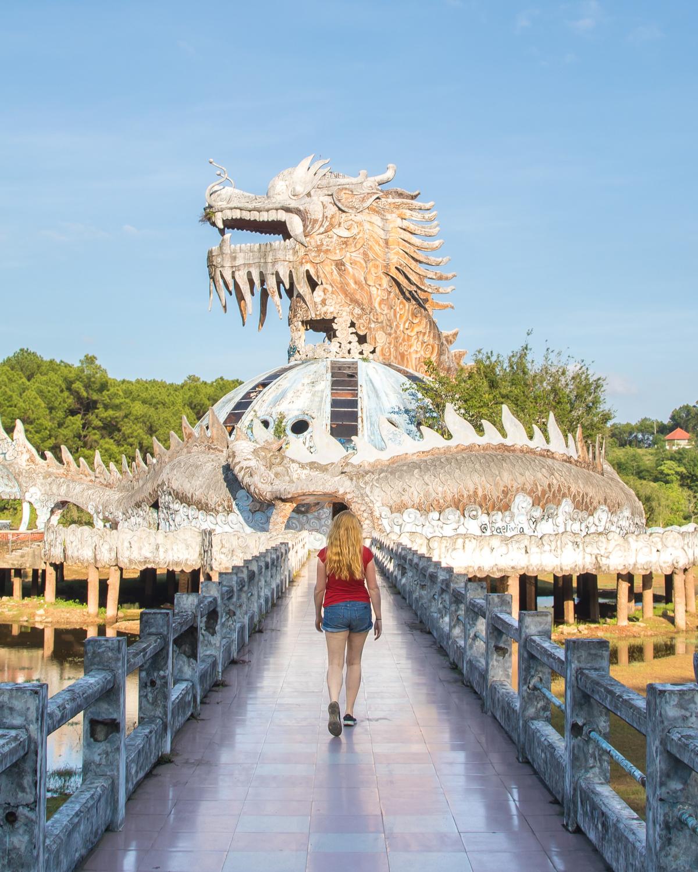 Ho Thuy Tien, Hue - The dragon at the park