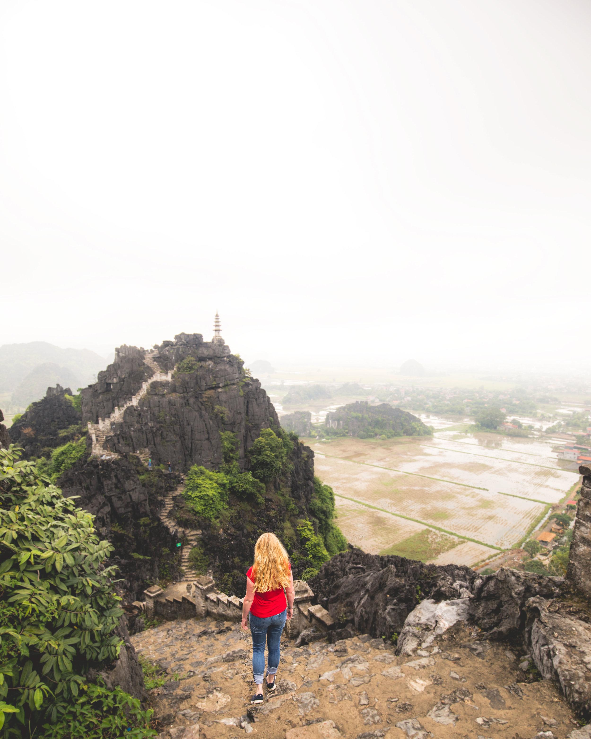 Mua Caves steps