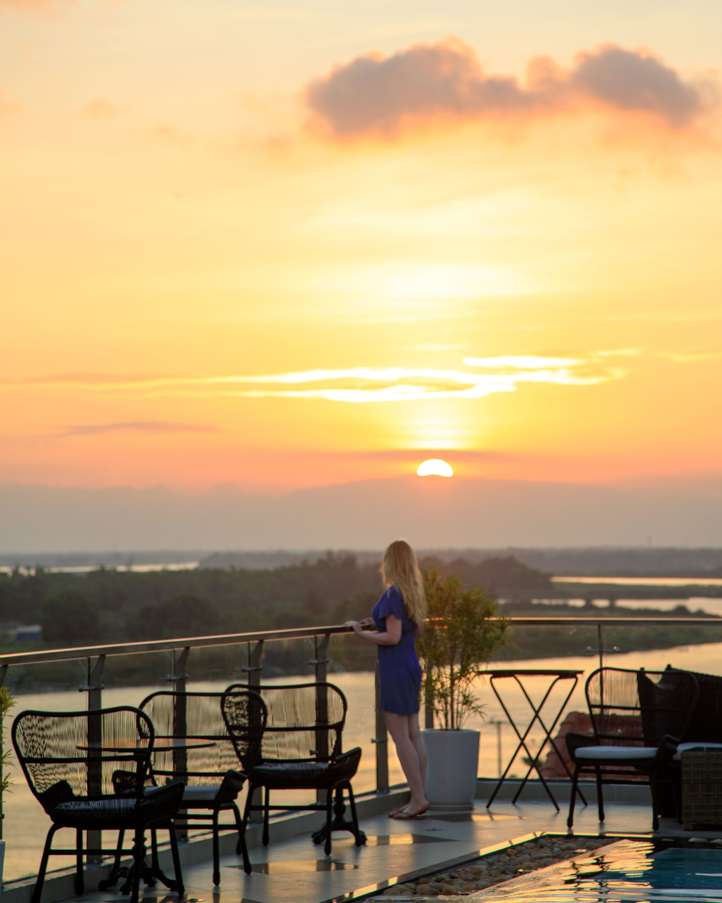 What to do in Hoi An - Sunset at the Deck