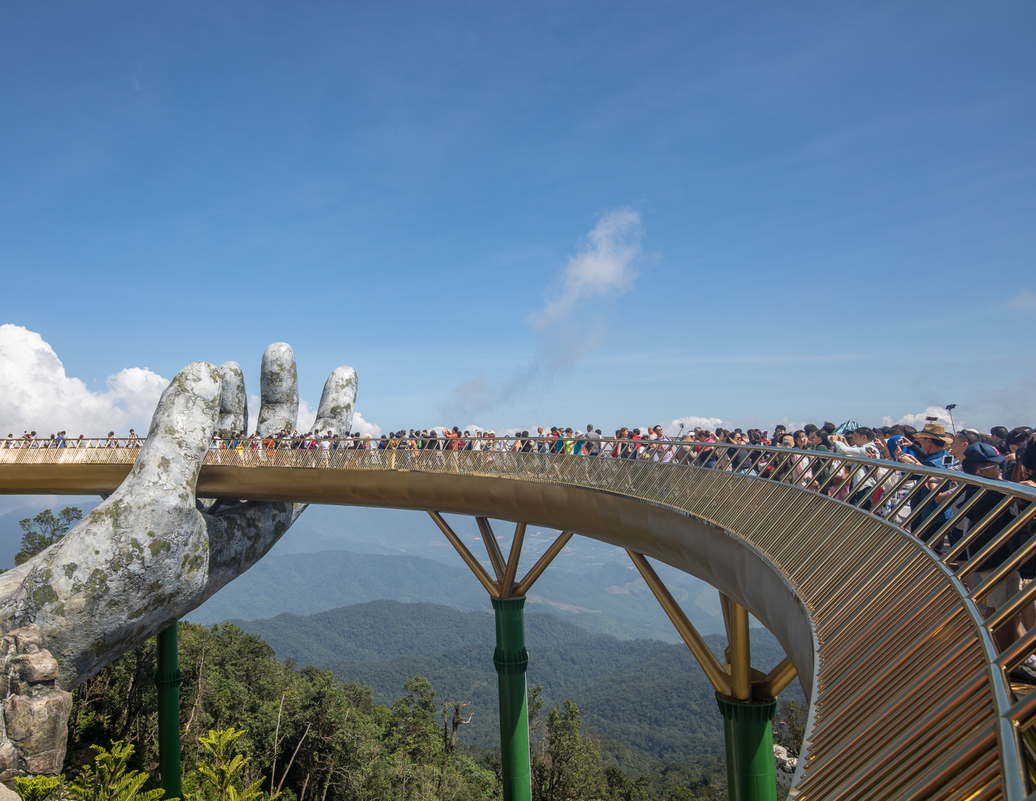 Golden Bridge crowds