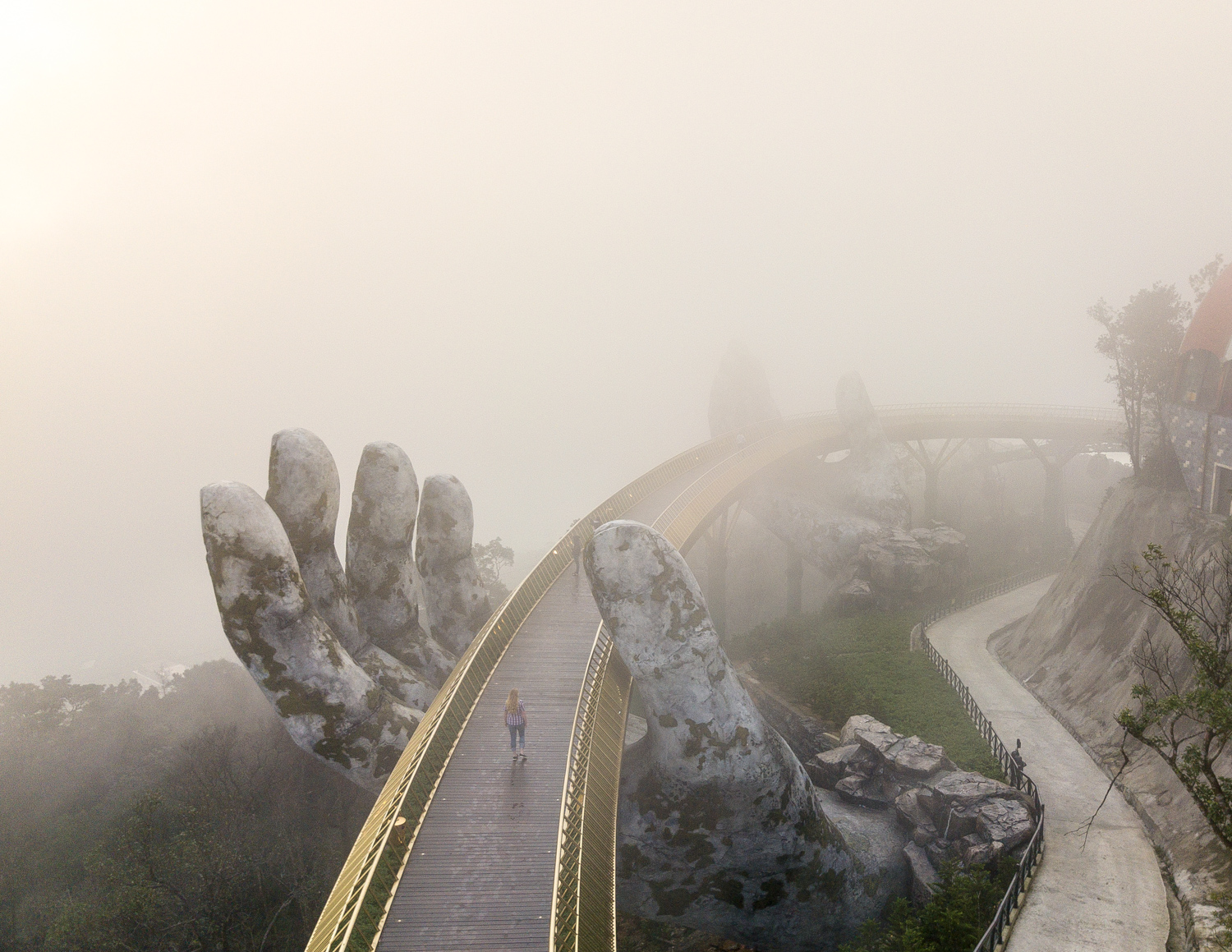 Golden Bridge Ba Na Hills, Vietnam
