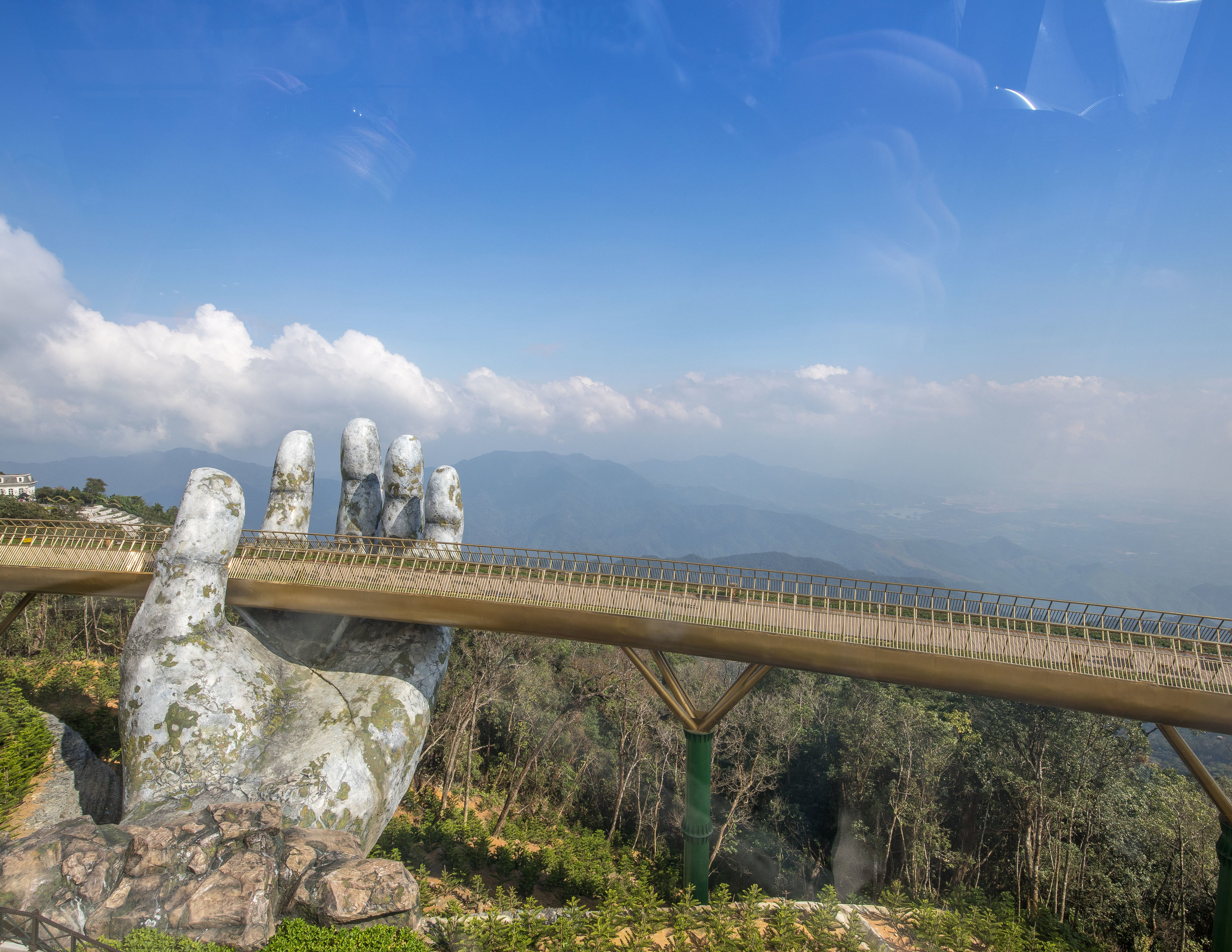 Golden Bridge Ba Na Hills, Da Nang Vietnam