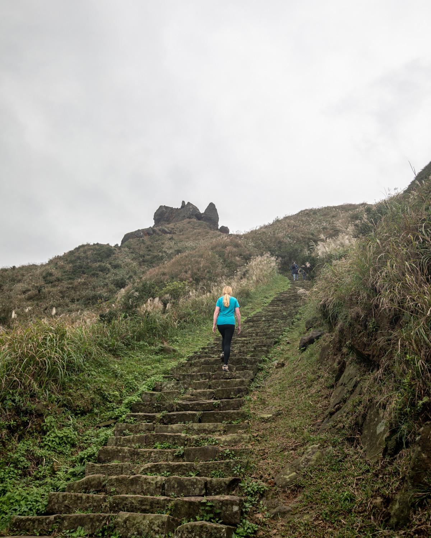 The walk to Teapot Mountain - Jiufen