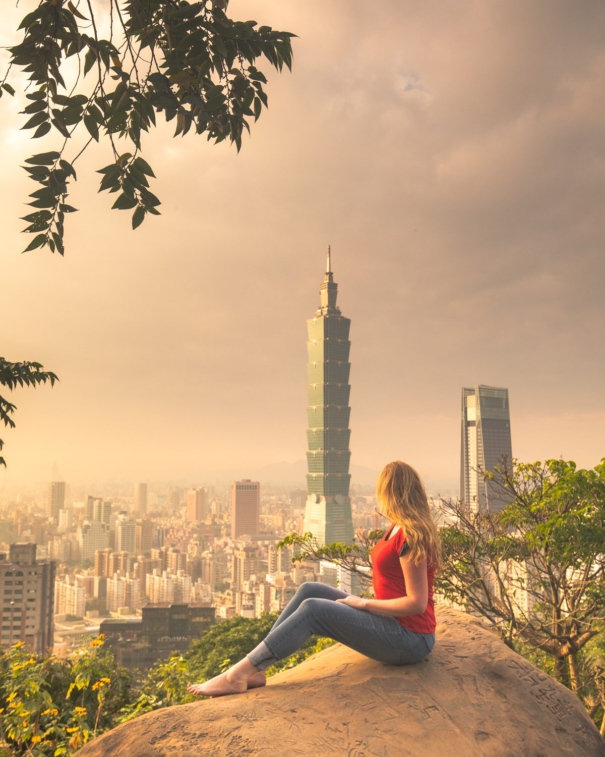 The most instagrammable place in Taipei - Elephant Mountain Rock
