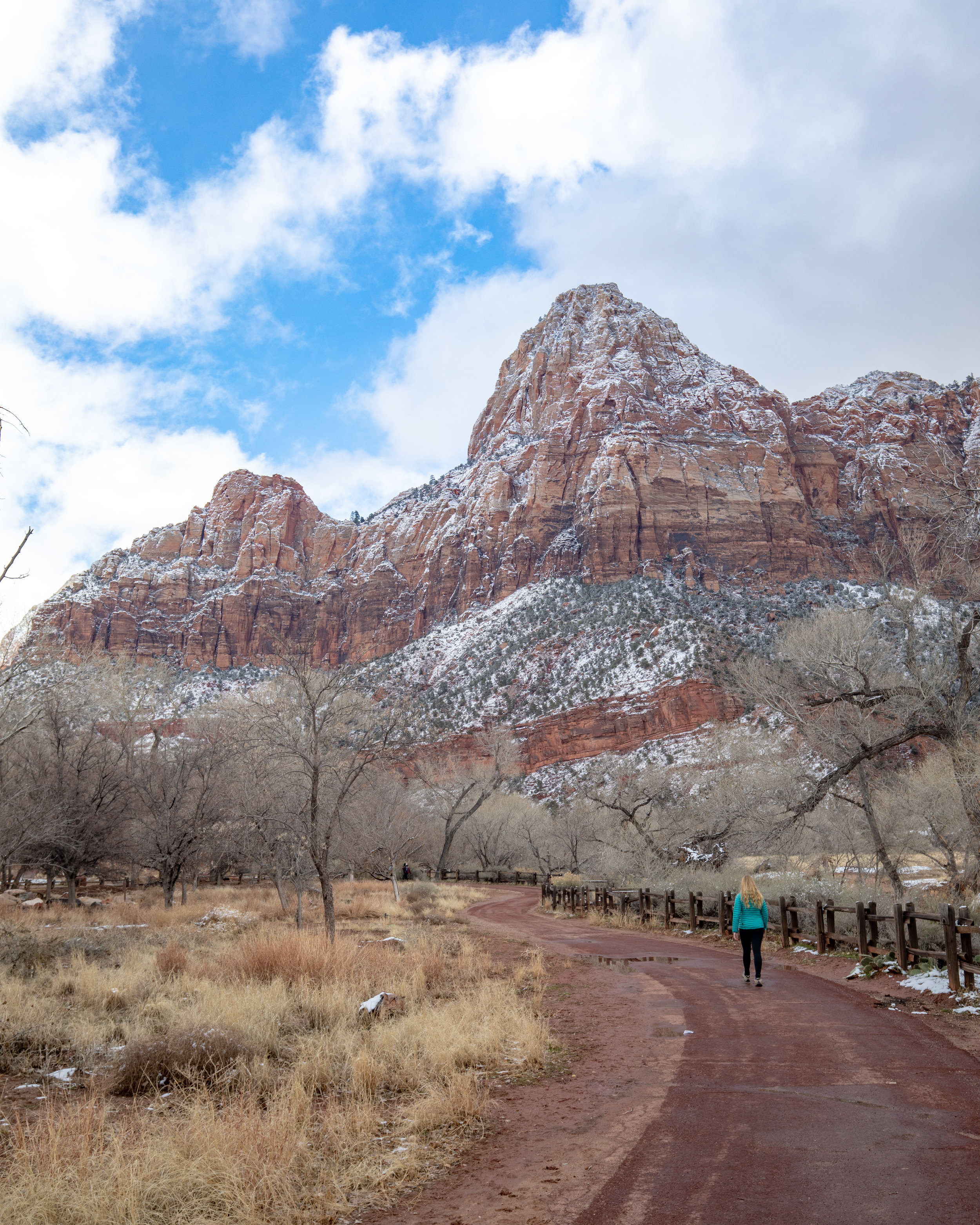The start of the Par'us Trail at Zion National Park