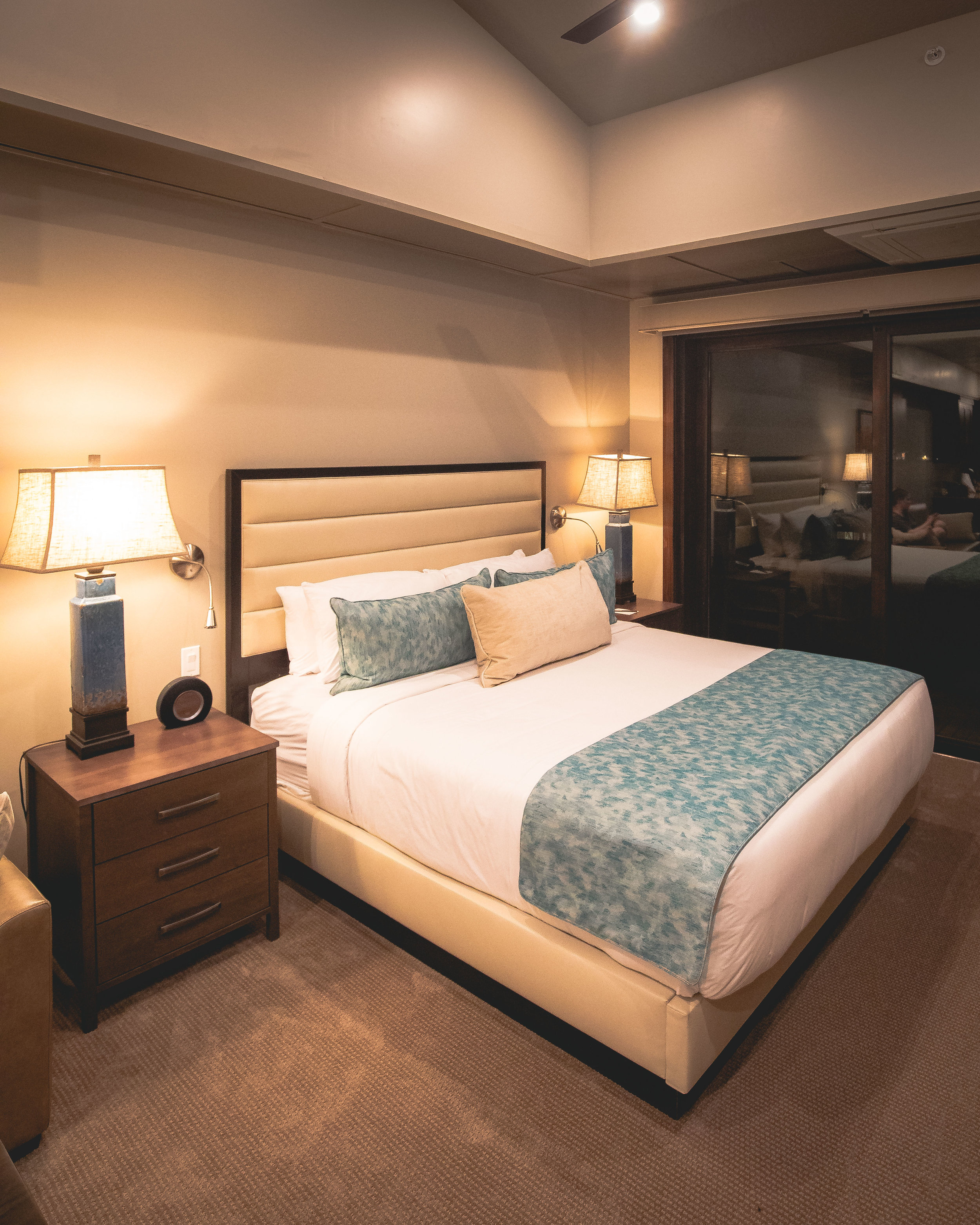 The rooms at Cable Mountain Lodge