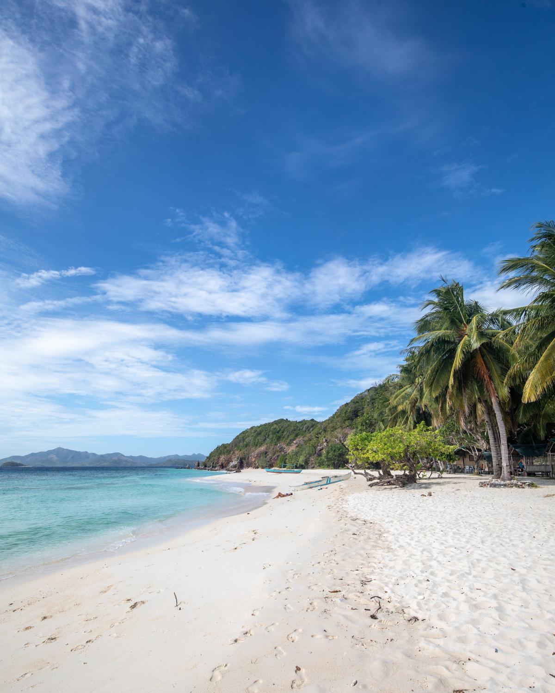 The white sand beach at Malcapuya