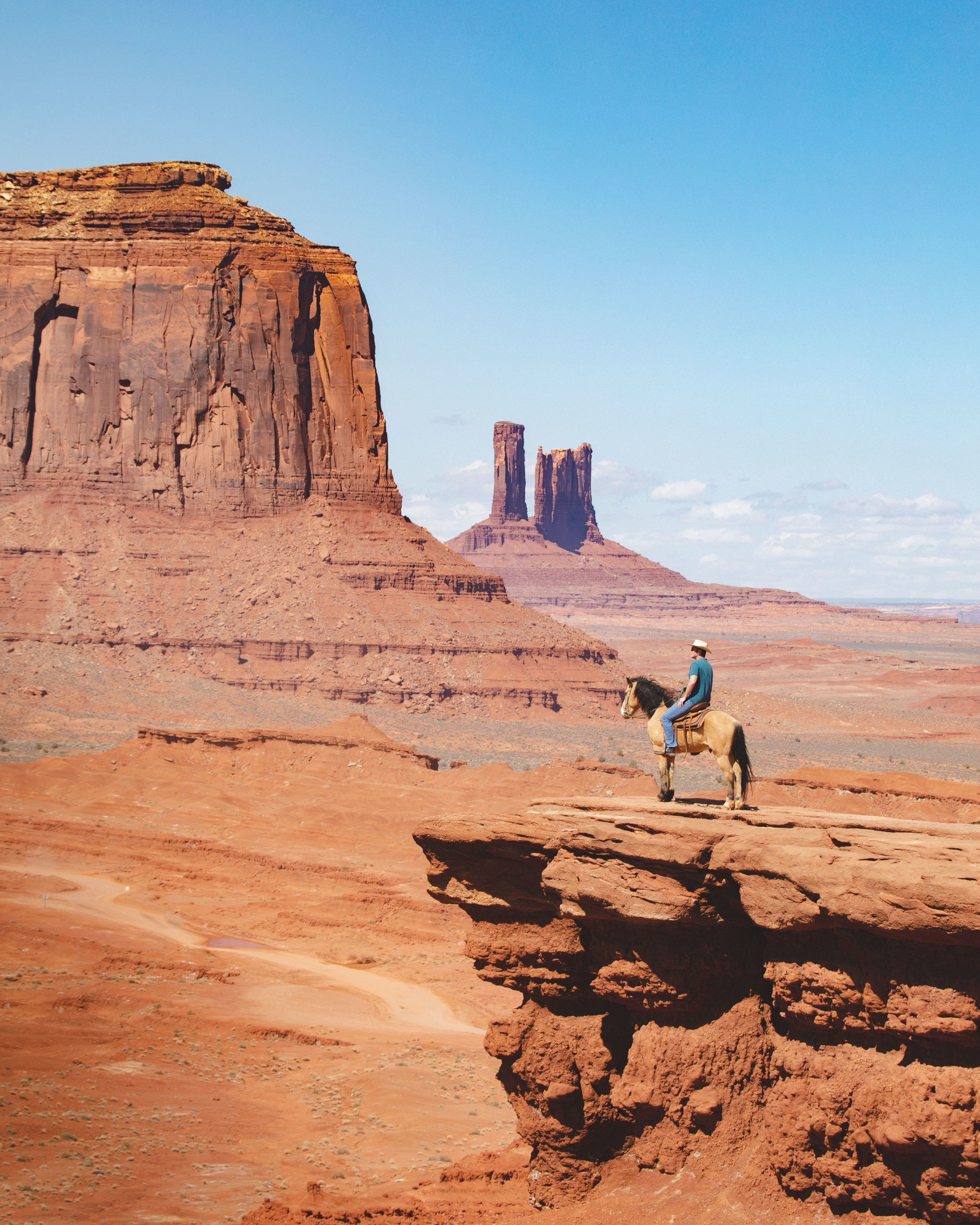 The horse at John Ford Point in Monument Valley Scenic Drive
