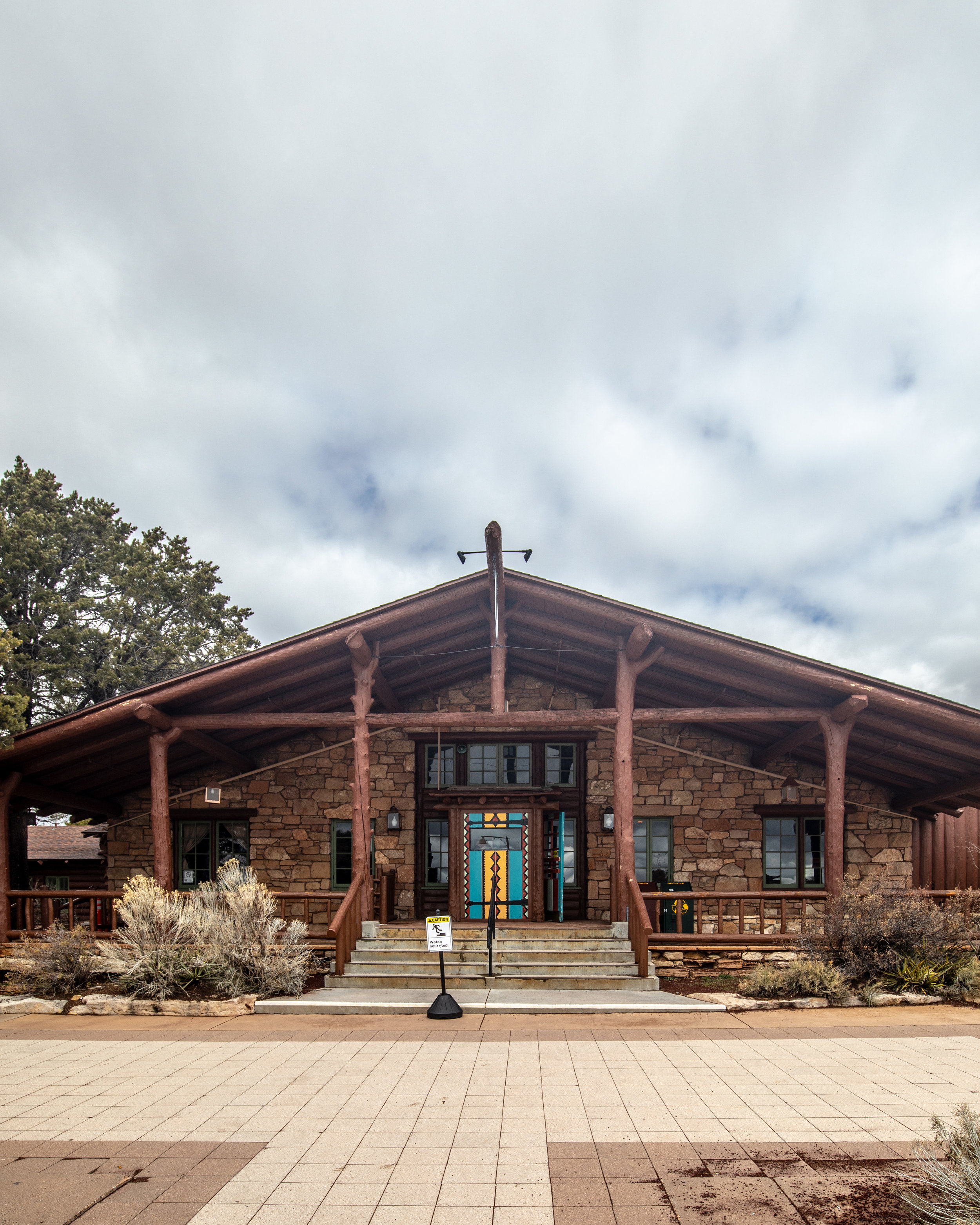 Where to stay in the Grand Canyon - Bright Angel Lodge