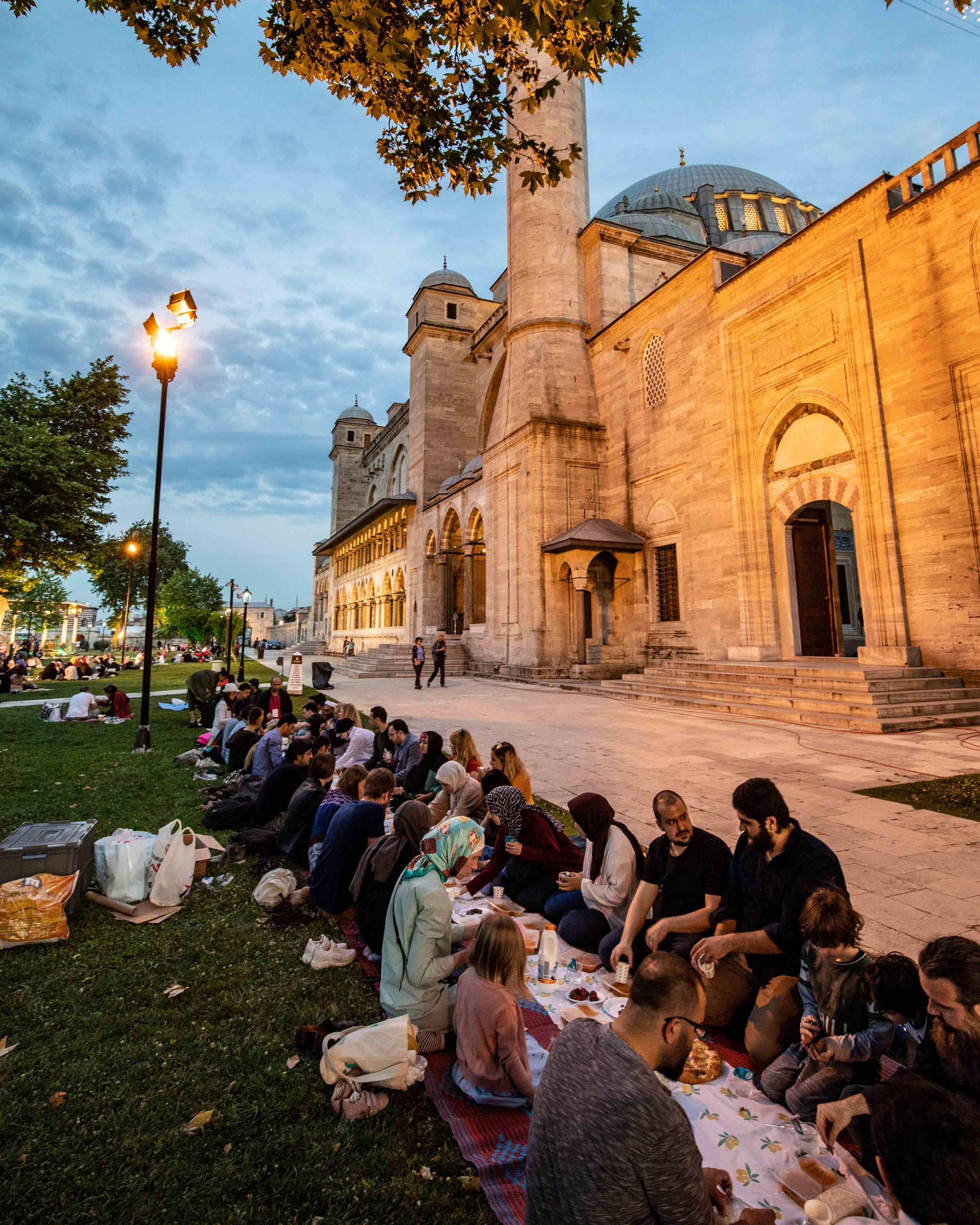 Things to do in Istanbul - Iftar in Ramadan