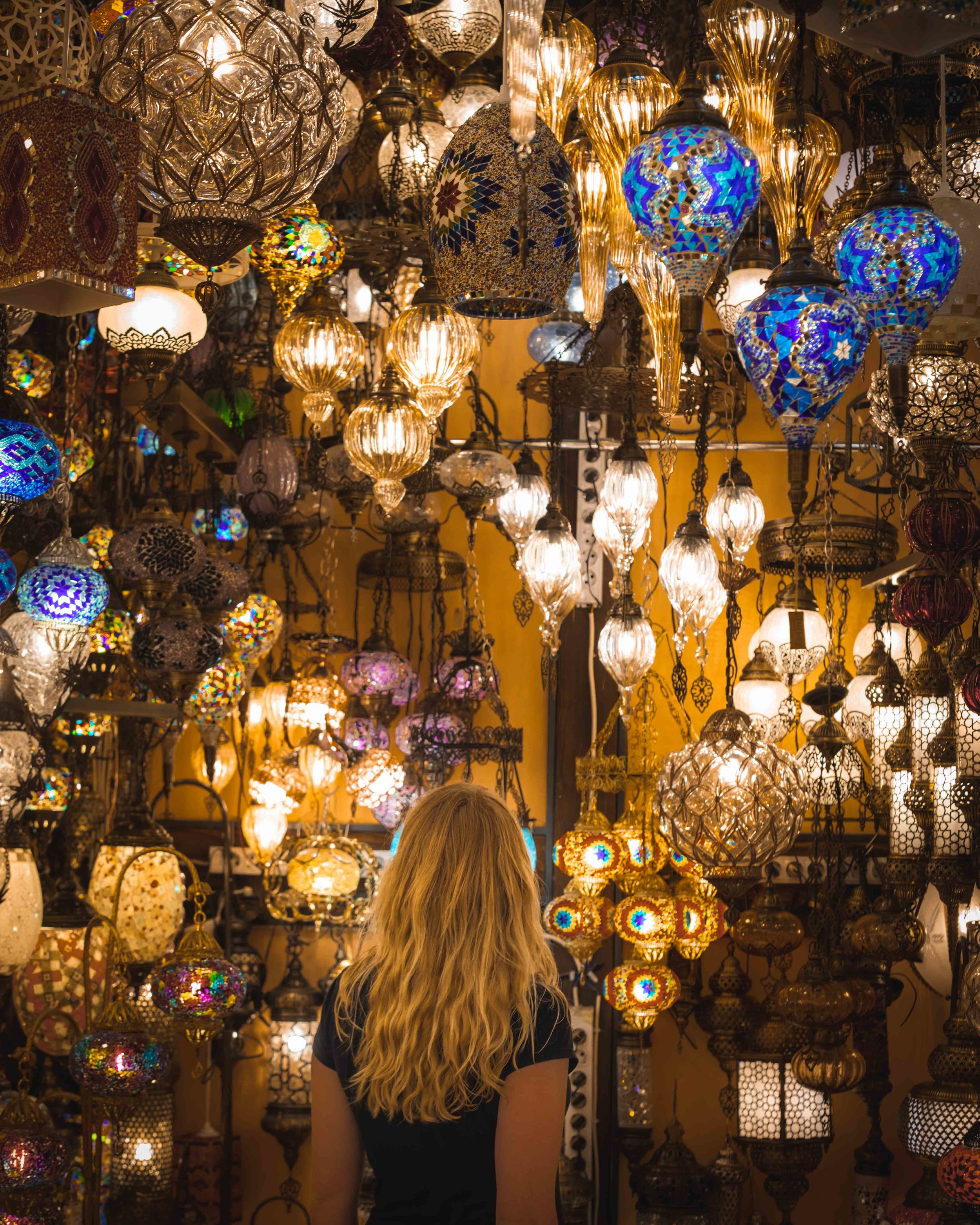 Instagrammable places in Turkey - Light shops in the Grand Bazaar