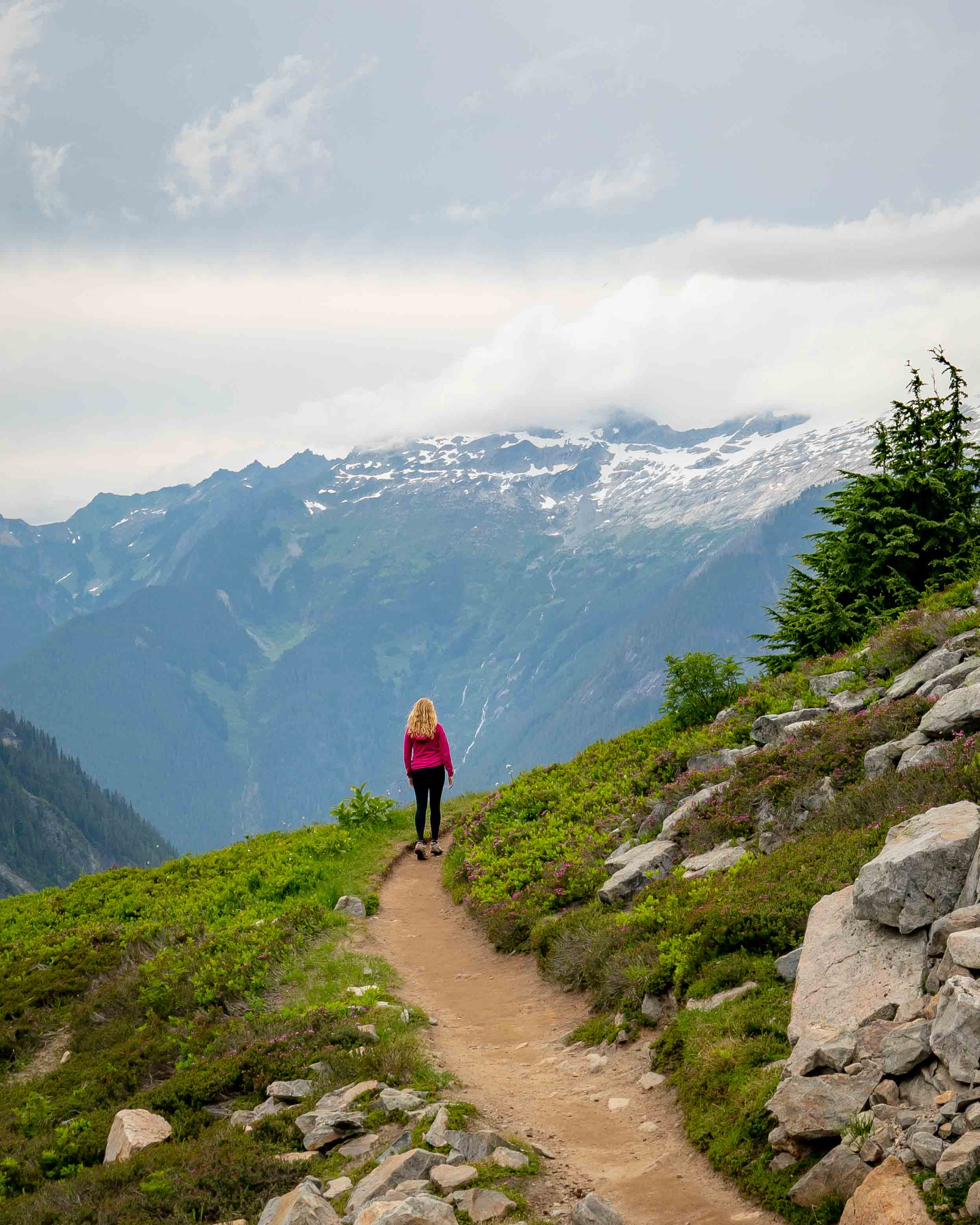 Hiking the Cascades Pass Trail
