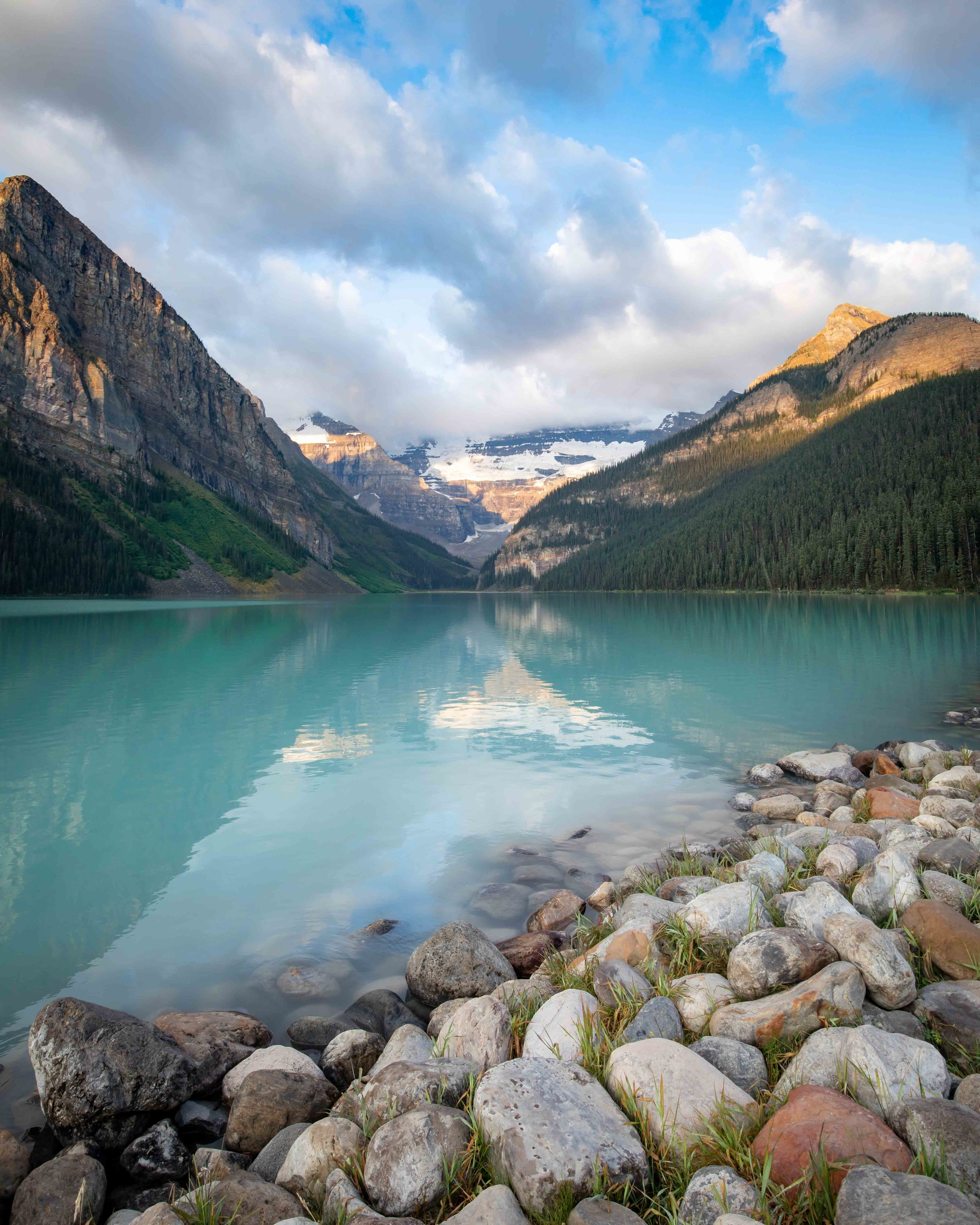 Lake Louise Sunrise - Best time to arrive