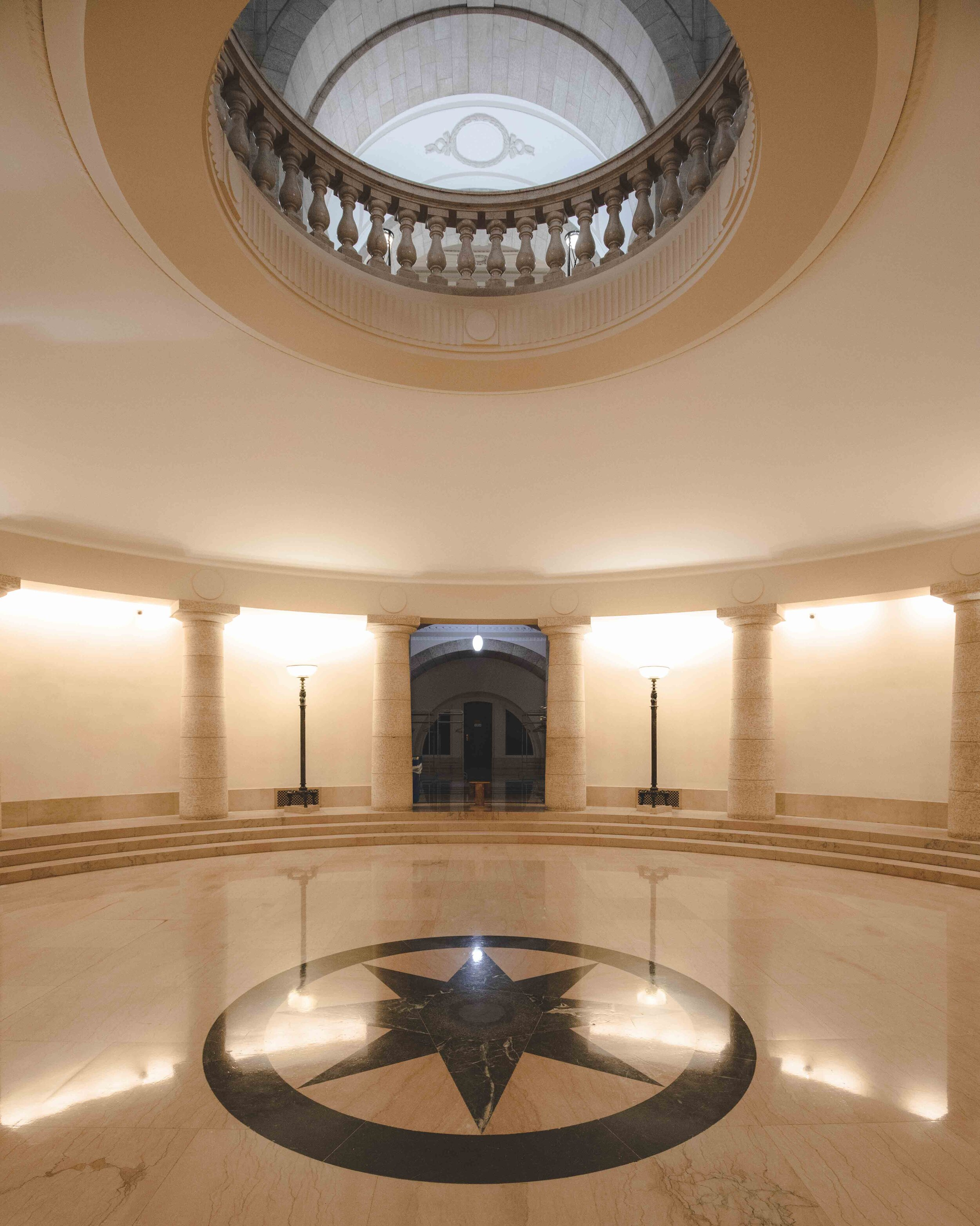 The interior of the Manitoba Legislative Building - things to do in Winnipeg