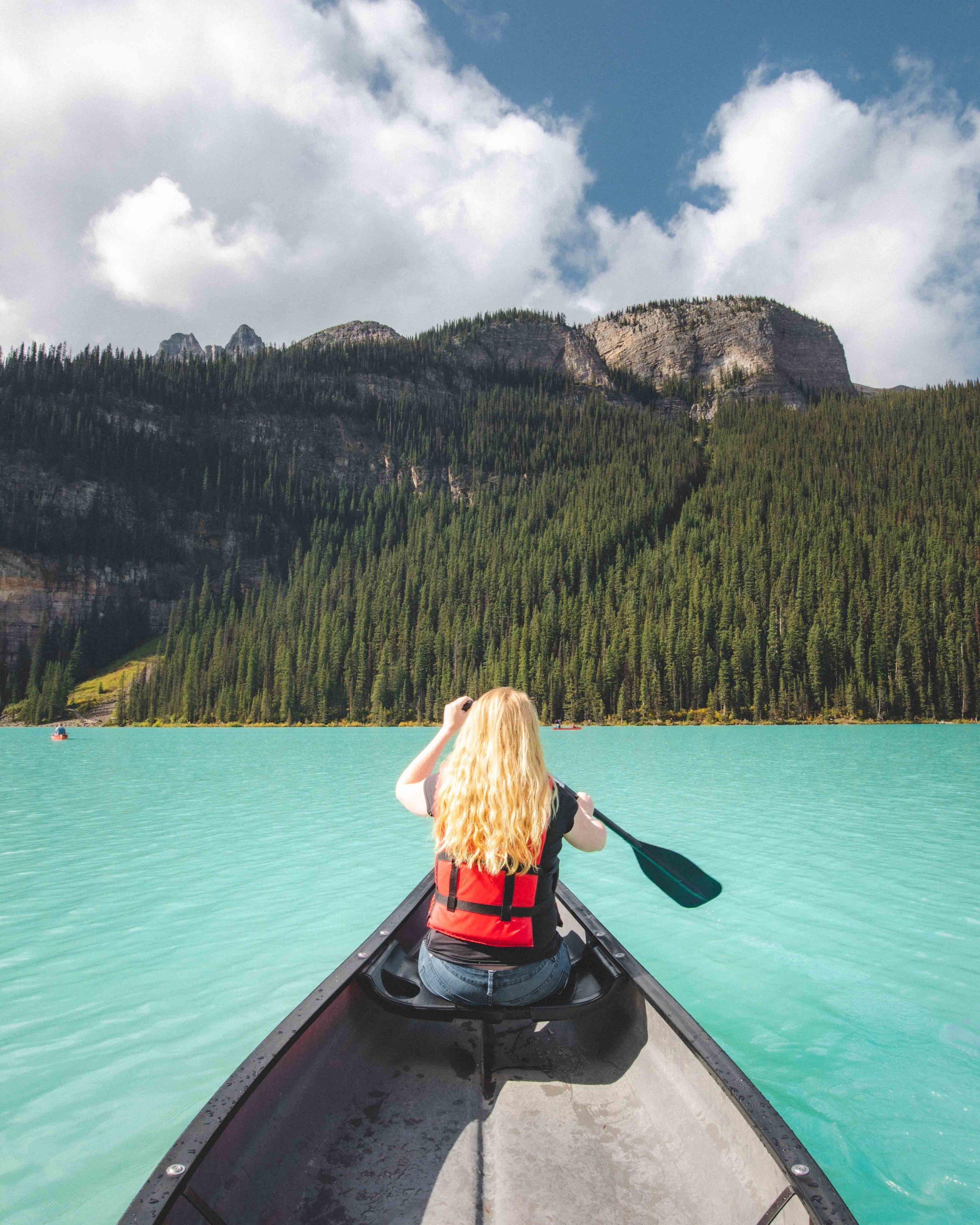 Canoeing Lake Louise - Things to do in Lake Louise
