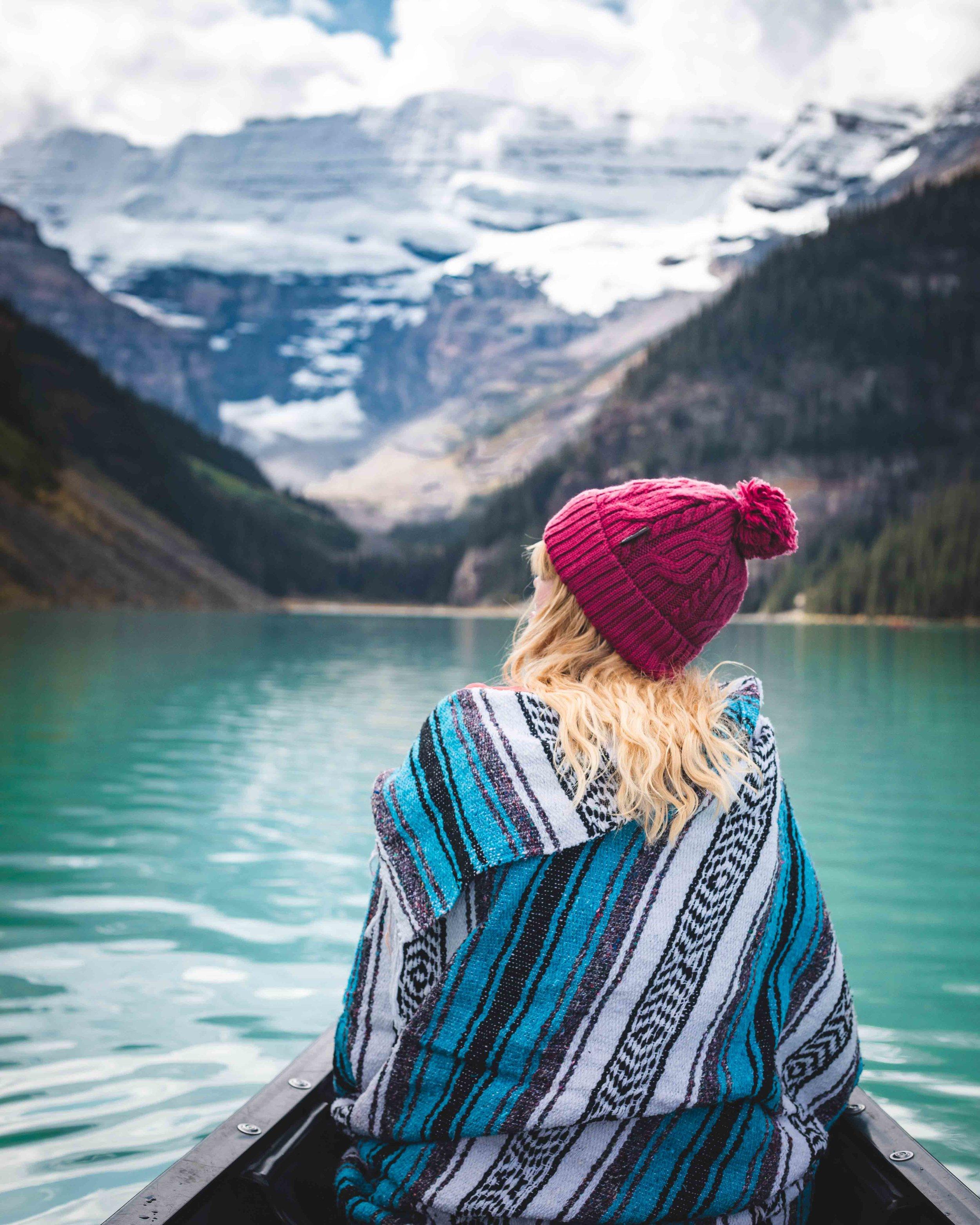 Lake Louise Canoe - Things to do in Lake Louise