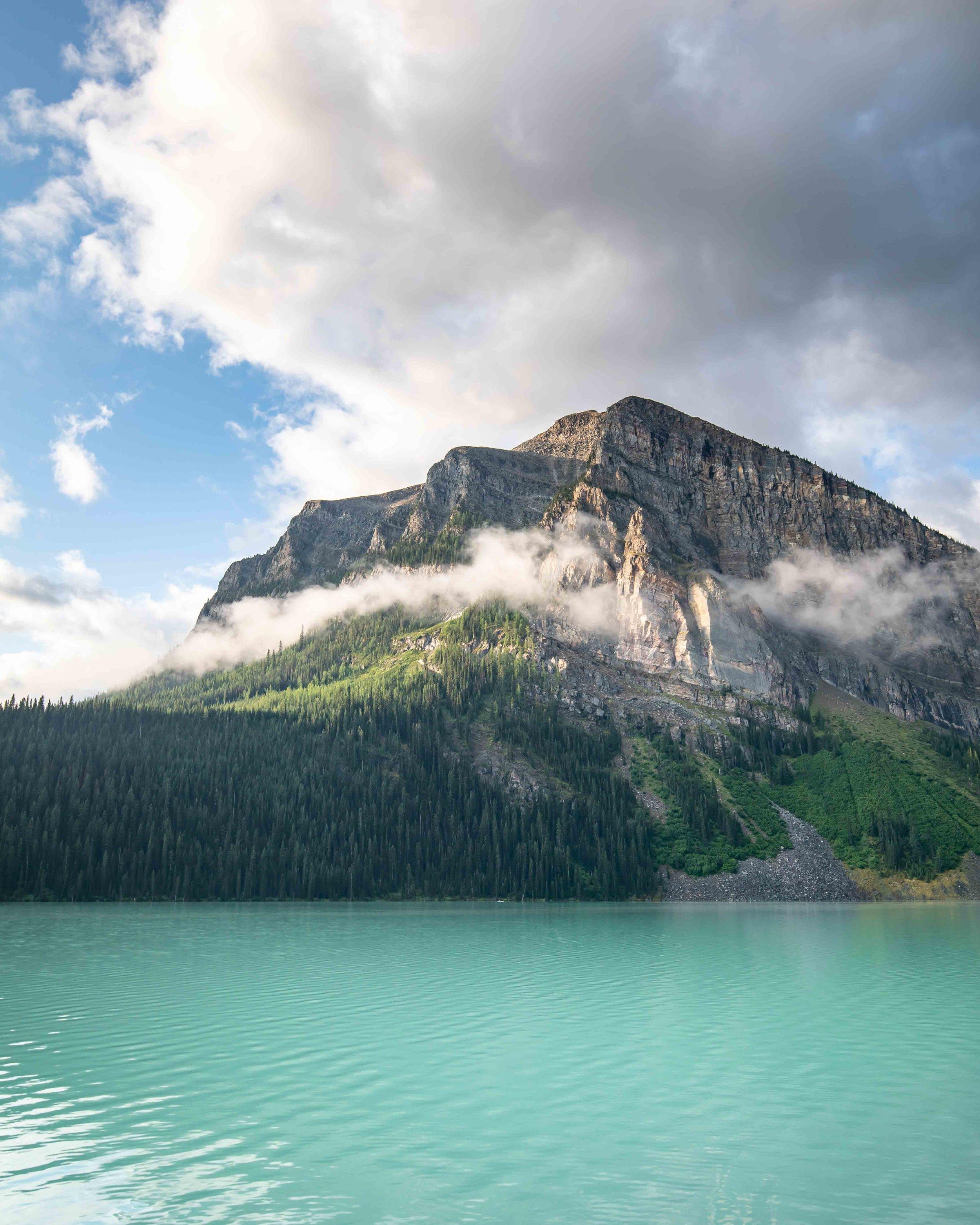 Lake Louise foreshore walk - things to do in Lake Louise