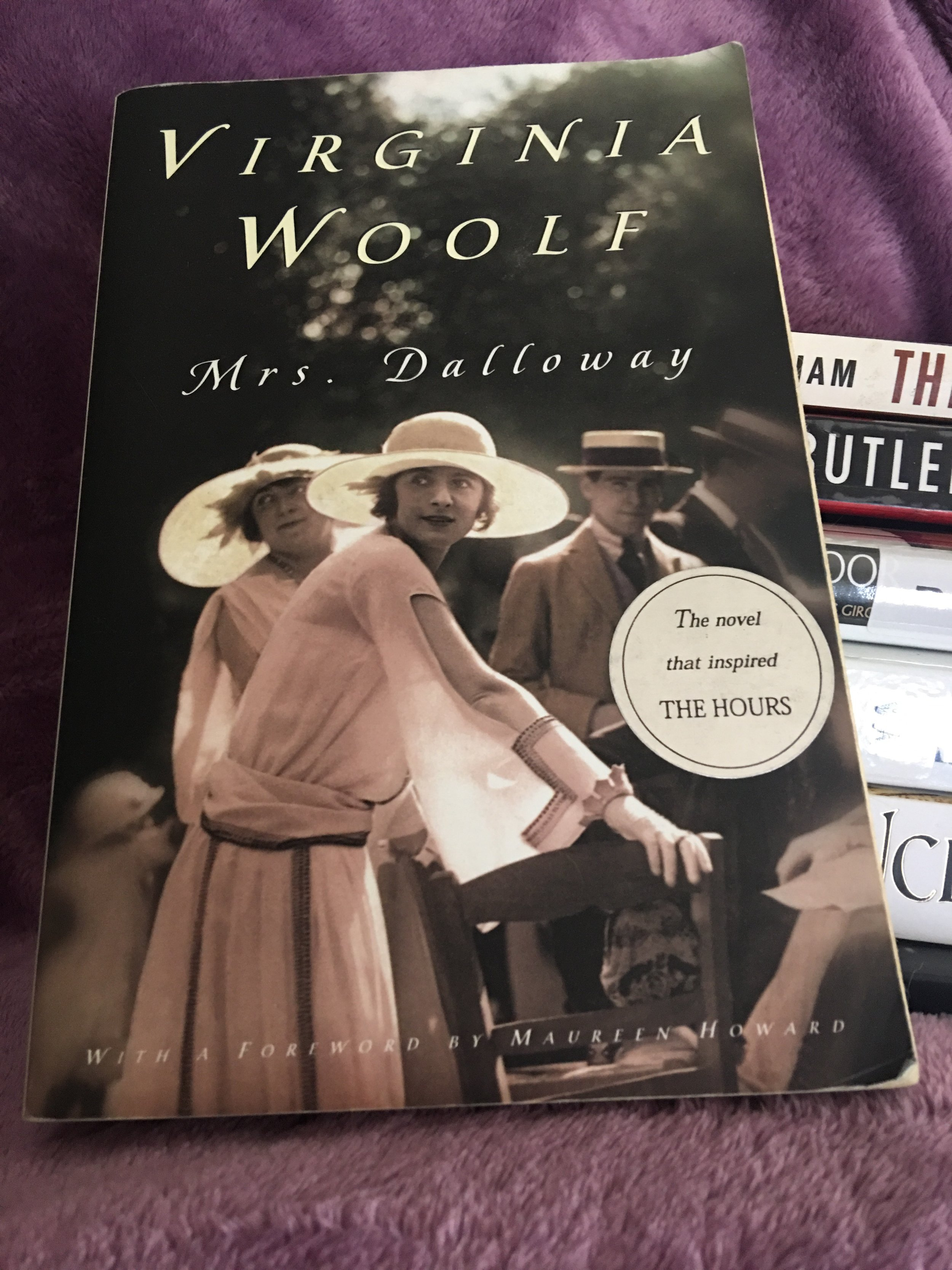 Mrs. Dalloway - By Virginia WoolfMy rating: 4 stars | Pages: 197What made me pick it up: It's a classic, I wanted to read The Hours but was told to read this first and it was a reading women challenge to read a book by Virginia Woolf; a shorter read for the 24in48 readathonFormat: Paperback | Source: Borrowed2018 challenge/s: Goodreads 2018 Reading Challenge; Reading Women Challenge 2018
