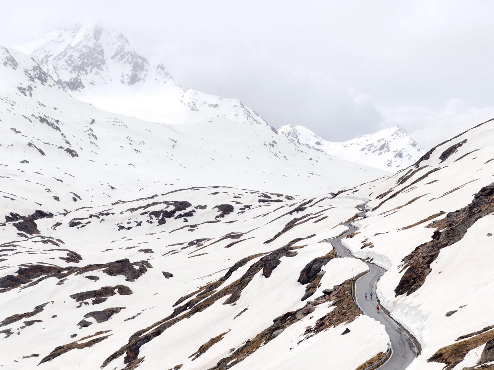 NEXT:EPIC CYCLING CLIMBS - We talked with the photographer Michael Blann about his book