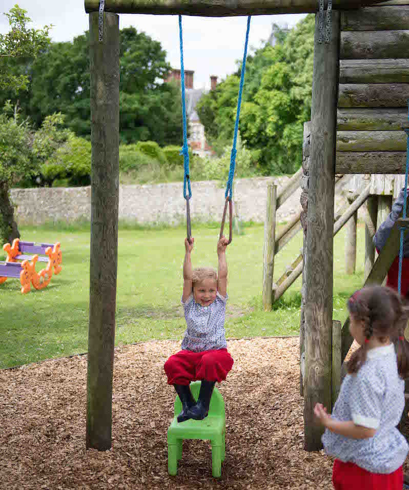 Nursery near Worthing, Lancing and Steyning - Sompting Abbotts is a nursery in the Worthing area that offers the Extended Free Entitlement of 30 hours to all eligible children aged two, three and four years.