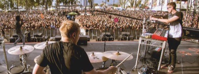 Ben playing before a festival crowd. Copyright: Ben Thompson