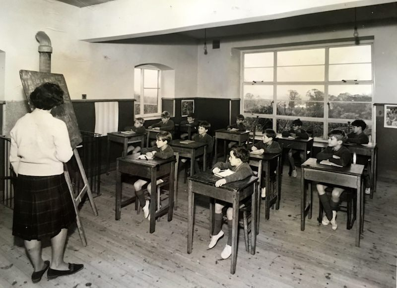 Archive photo of a school classroom at Sompting Abbotts of the period.